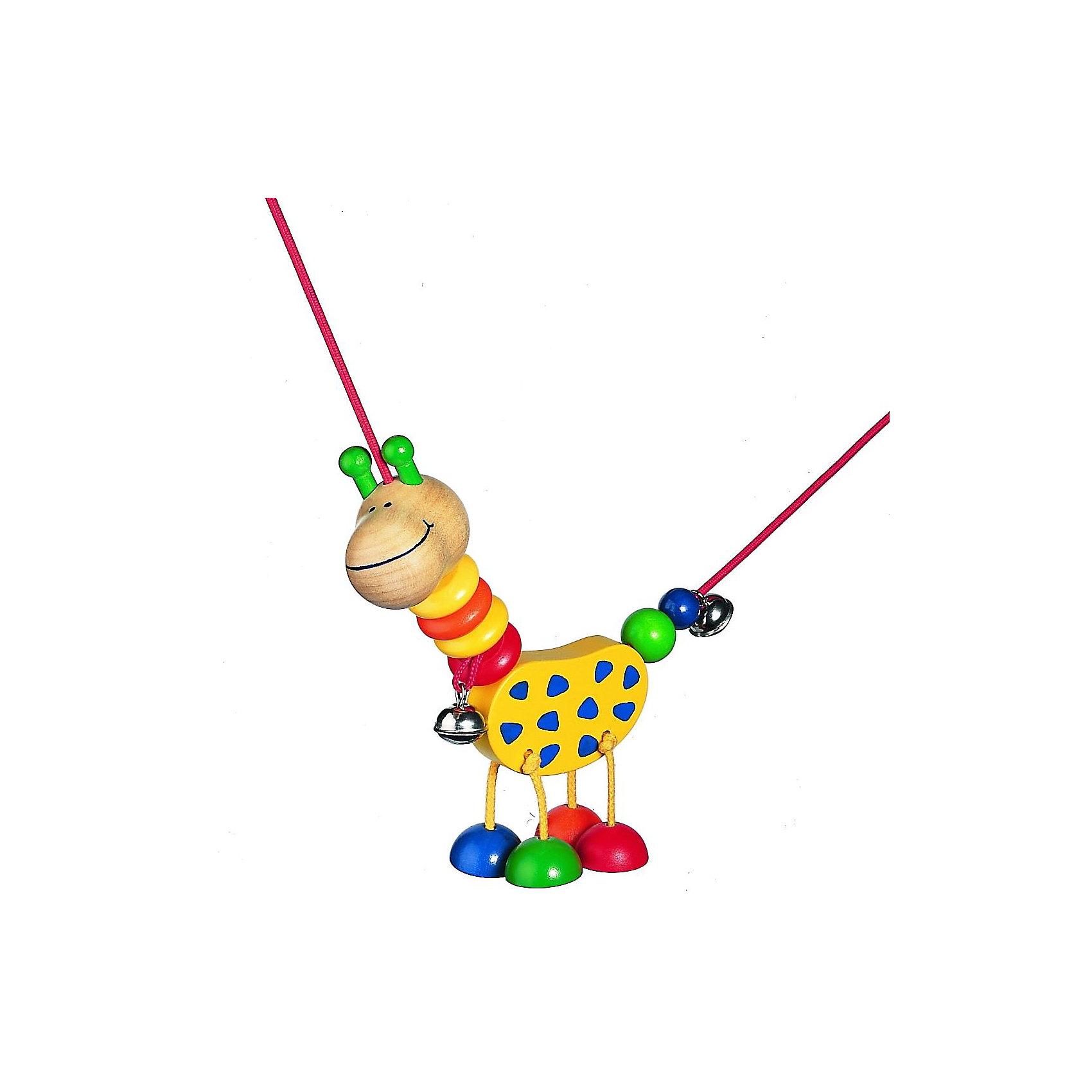 Selecta Подвеска КоллинаИгрушки для малышей<br>Эта подвеска от компании Selecta – лучший друг для самых маленьких. При каждом движении жираф весело болтает ножками над кроваткой, колыбелькой или коляской. Жирафа можно двигать по всему шнуру. Яркие цвета и формы, а также звон колокольчиков естественным путем побуждают малышка к получению визуальных, тактильных и сенсорных впечатлений.     <br>      <br>    <br>    Дополнительные характеристики:  <br>      <br>    <br>    + Материал: клен <br>      <br>    <br>    + Размер: ок. 18 см  <br>      <br>    <br>    + Шнурок растягивается до 75 см  <br>      <br>    <br>    + Для крепления требуются 2 универсальных зажима, например, Фиксино, которые продаются отдельно  <br>      <br>    <br>    + Безопасность проверена Объединением технического надзора (T?V)    <br>      <br>    <br>    Структура дерева пробуждает фантазию и передает самые разные впечатления, обращаясь к разным органам чувств. Данный артикул дополнительно обработан пчелиным воском, что делает его поверхность гладкой и мягкой. Естественный аромат способствует развитию чувств и ощущений у детей.<br><br>Ширина мм: 197<br>Глубина мм: 104<br>Высота мм: 51<br>Вес г: 115<br>Возраст от месяцев: 0<br>Возраст до месяцев: 12<br>Пол: Унисекс<br>Возраст: Детский<br>SKU: 1400390