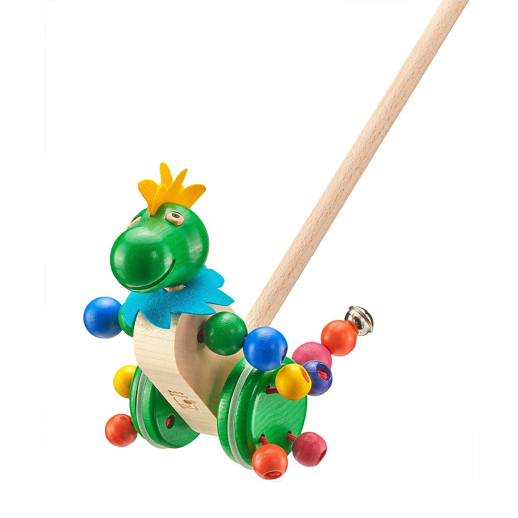 Selecta Игрушка-каталка ТаттолоИгрушки-каталки<br>Игрушка-каталка Таттоло отправляется в большое путешествие! Голова, хвост, руки, ноги – все шевелится, гремит, кружится и радуется первым шагам малыша. Маленький дракон усердно поддерживает малыша, когда тот учится ходить, пока дело не пойдет лучше, быстрее и увереннее. Милейшее первобытное животное для долгих тренировок.     <br>      <br>    <br>    Дополнительные характеристики:  <br>      <br>    <br>    + Длина: ок. 21 см.  <br>      <br>    <br>    + Материал: клен  <br>      <br>    <br>    + Безопасность проверена Союзом работников технического надзора (T?V)    <br>      <br>    <br>    Структура дерева пробуждает фантазию и передает самые разные впечатления, обращаясь к разным органам чувств. Данный артикул дополнительно обработан пчелиным воском, что делает его поверхность гладкой и мягкой. Естественный аромат способствует развитию чувств и ощущений у детей.<br><br>Ширина мм: 627<br>Глубина мм: 182<br>Высота мм: 171<br>Вес г: 460<br>Возраст от месяцев: 10<br>Возраст до месяцев: 18<br>Пол: Унисекс<br>Возраст: Детский<br>SKU: 1421874