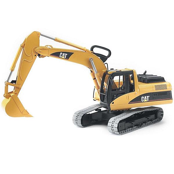Экскаватор гусеничный CAT,  BruderИграем в песочнице<br>Экскаватор гусеничный CAT Bruder (Брудер) станет замечательным подарком для Вашего ребенка. Игрушечную технику Брудер отличает качественная проработка всех деталей и высокая реалистичность, Ваш ребенок в увлекательной форме познакомится с особенностями работы дорожно-строительной техники и откроет для себя множество новых профессий.<br><br>Открытая кабина экскаватора расположена на платформе, вращающейся на 360°, оборудована сиденьем, декоративными рычагами управления и вращающимся рулем (на управление не влияет).<br><br>Большой ковш оснащен телескопическим механизмом, поднимается и опускается на 90° вручную при помощи ручки-рычага. Ковш можно зафиксировать в двух положениях: верхнее - для транспортировки, нижнее - для загрузки.<br><br>Экскаватор оборудован небольшим съемным отвалом при помощи которого можно расчистить дорогу или сгрести мусор. Имеются 2 стойки-опоры, которые придают машине большую устойчивость при выполнении тяжелых работ. Крышка моторного отсека поднимается, открывая доступ к двигателю.<br><br>Экскаватор оснащён мягкими пластмассовыми гусеницами.<br><br>Дополнительная информация:<br><br>- Масштаб: 1:16.<br>- Материал: высококачественный пластик.<br>- Размер игрушки: 58 х 20 х 29 см. <br>- Размер упаковки: 22 х 60 х 30 см. <br>- Вес: 1.87 кг.<br><br><br>Экскаватор гусеничный CAT Bruder можно купить в нашем интернет-магазине.<br>Ширина мм: 616; Глубина мм: 309; Высота мм: 226; Вес г: 1909; Возраст от месяцев: 36; Возраст до месяцев: 96; Пол: Мужской; Возраст: Детский; SKU: 1430221;