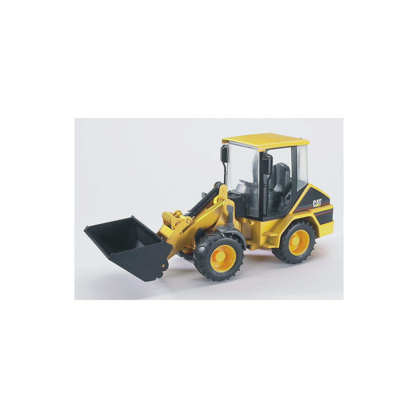 Погрузчик колёсный CAT с ковшом, BruderМашинки<br>Погрузчик колёсный CAT с ковшом, Bruder (Брудер) – это реалистичная копия настоящей машины, выполненная в масштабе 1:16. Удобный, маневренный и компактный погрузчик незаменим в строительстве, в карьерах, в сельском и лесном хозяйстве. С игрушечным погрузчиком можно создавать реальные ситуации благодаря наличию полнофункциональной стрелы и съемного ковша, их можно наклонять с помощью удобного рычага и телескопического механизма. Когда ковш оказывается в нижнем положении, он может собирать сыпучие материалы. Для транспортировки груза предназначено верхнее положение ковша, подъемный механизм при этом будет надежно зафиксирован. Из специальных отсеков сзади выдвигаются опоры, обеспечивая трактору дополнительную устойчивость при работе на грунте.<br><br>Характеристики:<br>-Масштаб: 1:16<br>-Передняя часть поворачивается вместе с ковшом<br>-Стрела фиксируется в разных положениях<br>-Передний ковш съемный, регулируется по высоте и меняет угол наклона<br>-Полноценный руль, который управляет передними колесами<br>-Удобные, гибкие, универсальные компактные шарнирные колеса<br>-Съемное заднее сцепное устройство<br>-Тщательная детализация, в т. ч. внутри кабины<br>-Для расширения игровых возможностей можно использовать дополнительные аксессуары из соответствующей серии Брудер<br><br>Дополнительная информация:<br>-Материалы: пластмасса ABS, резина<br>-Размеры в упаковке: 34х12х16 см<br>-Вес в упаковке: 640 г<br><br>Погрузчик колёсный CAT с ковшом, Bruder (Брудер) -- отличная игрушка для самых разных сюжетно-ролевых игр, поможет Вашему ребенку познакомиться с увлекательным миром техники!<br><br>Погрузчик колёсный CAT с ковшом, Bruder (Брудер) можно купить в нашем магазине.<br><br>Ширина мм: 382<br>Глубина мм: 182<br>Высота мм: 160<br>Вес г: 653<br>Возраст от месяцев: 36<br>Возраст до месяцев: 96<br>Пол: Мужской<br>Возраст: Детский<br>SKU: 1471075