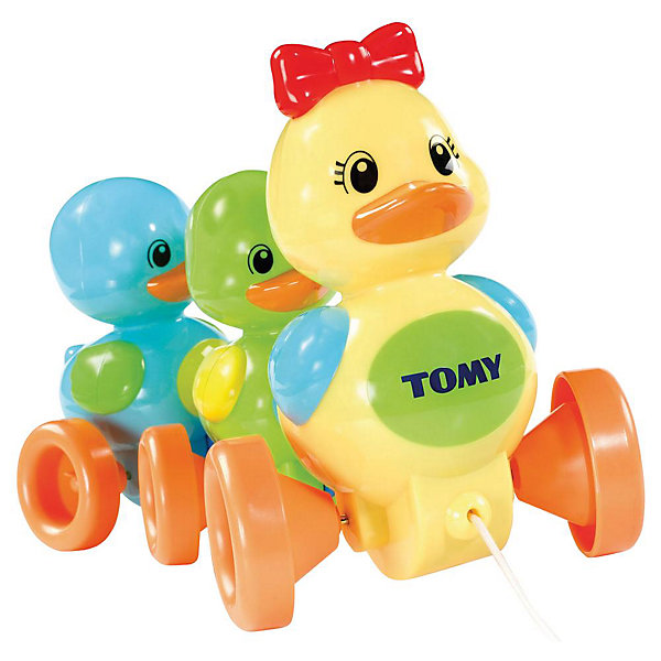 Игрушка-каталка «Семейство уточек», TOMYИгрушки каталки<br>Развивающая игрушка-каталка «Семейство уточек» известного бренда TOMY (Томи) из серии PLAY TO LEARN.<br><br>Только Ваш малыш дёрнет за верёвочку и потянет игрушку за собой, как семейство из троих утят начнёт радостно напевать милейшую утиную песенку, следуя за малышом!<br><br>Красочная игрушка представляет собой каталку из трёх разноцветных уточек: мамы и её детишек-утят. Впереди игрушки находиться верёвочка, за которую Ваш малыш может катать семейство уточек за собой почти по любой поверхности! Такая прогулка всегда сопровождается забавными звуками. Потянув за верёвочку, утята начинают задорно петь. <br><br>Песенки утят также можно переключать с помощью красного бантика на голове у мамы-утки. Более того, уникальная конструкция каталки позволяет семейству утят при движении переваливаться от одного бока к другому, что очень похоже на походку настоящих уток!<br><br>С помощью этой каталки у Вашего ребёнка будут развиваться восприятие и слуховые навыки, которые необходимы на ранних стадиях развития.  Толкая данную игрушку перед собой и ползая за ней, Ваш малыш сможет быстрее научиться ходить. <br><br>Дополнительная информация:<br><br>- Размер: 21 х 30 х 16 см (высота х ширина х глубина)<br>- Материал: высококачесвенный пластик<br>- Вес: 500 гр<br>- работает на трёх батарейках (входят в комплект)<br>Ширина мм: 160; Глубина мм: 300; Высота мм: 210; Вес г: 602; Возраст от месяцев: 6; Возраст до месяцев: 24; Пол: Унисекс; Возраст: Детский; SKU: 1602927;