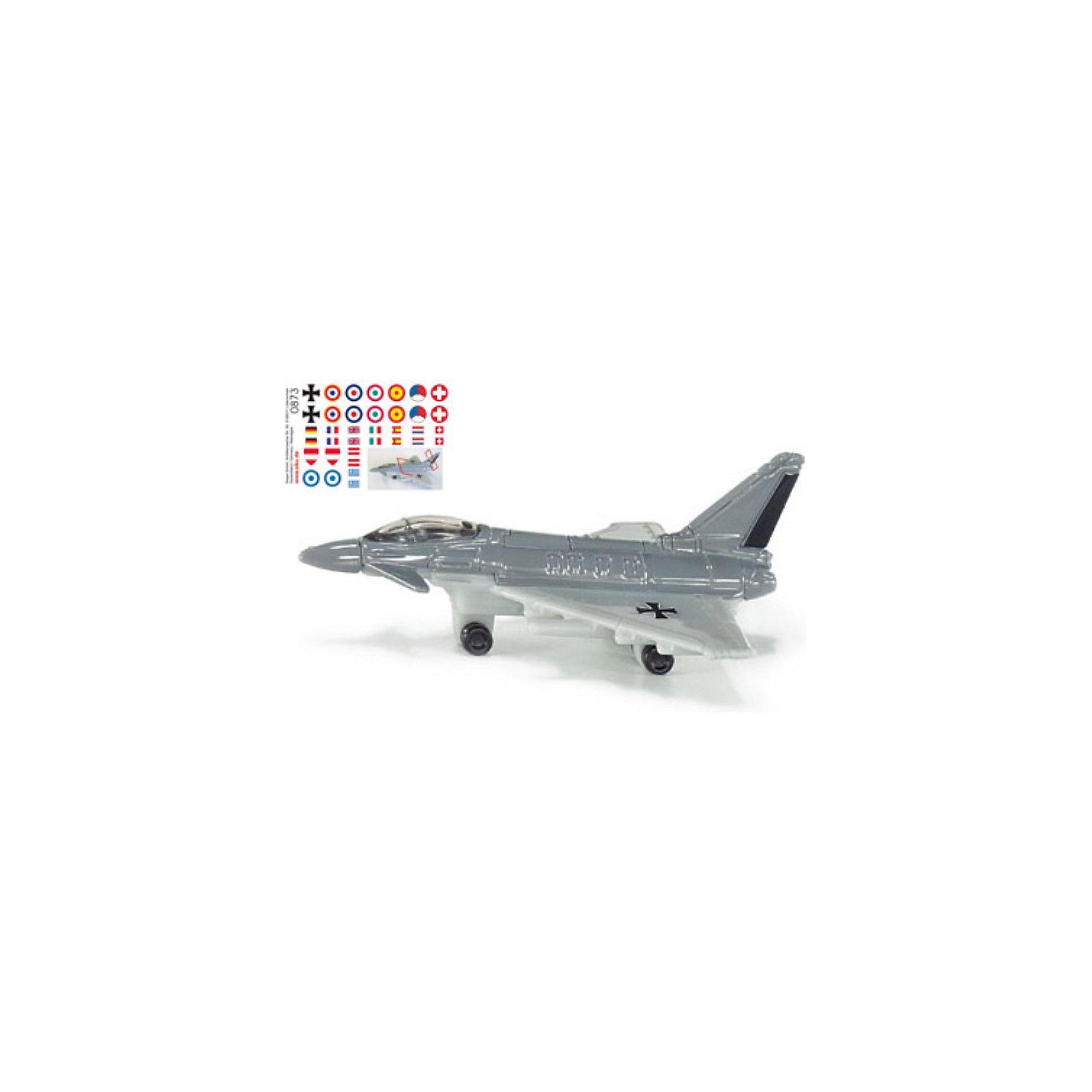 SIKU 0873 Реактивный истребительМодель реактивного истребителя фирмы SIKU отличается великолепным дизайном, вращающимися колесами, разнообразным вооружением и целым набором различных опознавательных знаков.<br><br>Игрушечные модели SIKU изготавливаются в соответствии с актуальными предписаниями по безопасности, имеют сертификаты T?V, GS и отмечены знаком Spiel-gut.<br><br>Игрушки не предназначены для детей младше 36 месяцев, так как содержат мелкие детали, которые могут быть проглочены.<br><br><br>Д/Ш/В: 69x48x27 мм<br><br>+++Примечание+++<br>Фирма SIKU оставляет за собой право на изменение цвета и технических характеристик моделей. При демонстрации новинок в ряде случаев используются оригинальные фотографии и прототипы. Поставляемая модель может отличаться от представленной на фотографии.<br><br>Ширина мм: 95<br>Глубина мм: 78<br>Высота мм: 40<br>Вес г: 26<br>Возраст от месяцев: 36<br>Возраст до месяцев: 96<br>Пол: Мужской<br>Возраст: Детский<br>SKU: 1636678