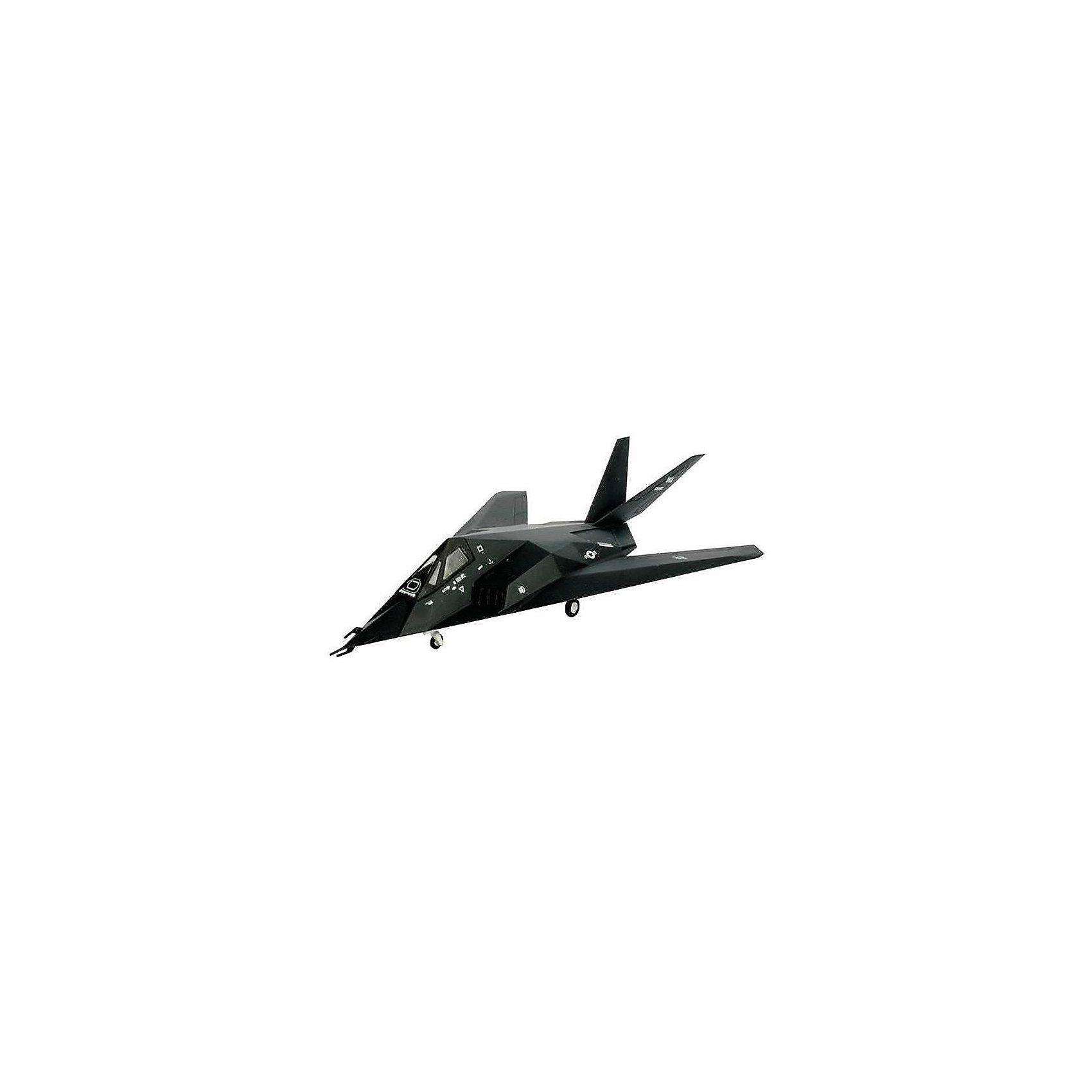 Истребитель F-117 StealthМодели для склеивания<br>Характеристики товара:<br><br>• возраст: от 10 лет;<br>• масштаб: 1:144;<br>• количество деталей: 36 шт;<br>• материал: пластик; <br>• клей и краски в комплект не входят;<br>• длина модели: 9,4 см;<br>• размах крыльев: 5,2 см;<br>• бренд, страна бренда: Revell (Ревел), Германия;<br>• страна-изготовитель: Польша.<br><br>Набор для сборки «Истребитель F-117 Stealth» поможет вам и вашему ребенку придумать увлекательное занятие на долгое время и весело провести свой досуг. Модель является точной копией истребителя-одноместного дозвукового тактического малозаметного ударного самолёта американской фирмы Lockheed Martin, предназначенного для скрытного проникновения через систему ПВО противника и атак стратегически важных наземных объектов военной инфраструктуры (ракетные базы, аэродромы, центры управления и связи и т. п.).<br><br>В набор входят 36 пластиковых деталей, которые помогут воссоздать истребитель. Детали можно собрать и без помощи клея, на защелки, согласно инструкции. Готовый истребитель украсит стол или книжную полку ребенка. Краски и клей в комплект не входят.<br><br>Процесс сборки развивает интеллектуальные и инструментальные способности, воображение и конструктивное мышление, а также прививает практические навыки работы со схемами и чертежами. <br><br>Набор для сборки «Истребитель F-117 Stealth», 36 дет., Revell (Ревел) можно купить в нашем интернет-магазине.<br><br>Ширина мм: 9999<br>Глубина мм: 9999<br>Высота мм: 9999<br>Вес г: 9999<br>Возраст от месяцев: -2147483648<br>Возраст до месяцев: 2147483647<br>Пол: Унисекс<br>Возраст: Детский<br>SKU: 1772801