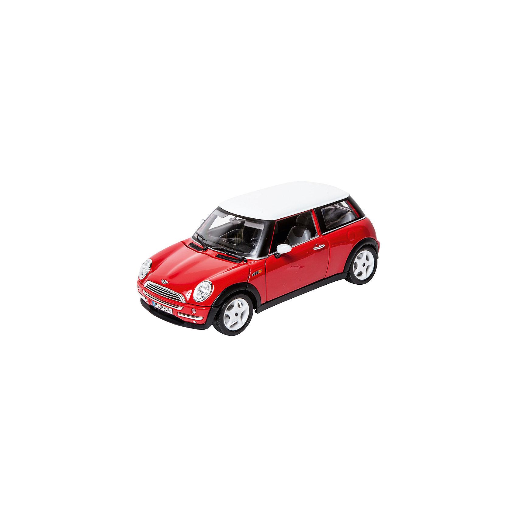 Машина Bburago Mini Cooper, 1:18Машинки<br>Характеристики товара:<br><br>• возраст: от 3 лет;<br>• материал: пластик, металл;<br>• масштаб: 1:18;<br>• размер упаковки: 29,6х20х12 см;<br>• вес упаковки: 1,03 кг;<br>• страна производитель: Китай.<br><br>Машина Mini Cooper Bburago — уменьшенная копия настоящего автомобиля Mini Cooper. Машинка проработана до мельчайших деталей. Внутри салона расположены руль, педали, коробка передач и пассажирские кресла. У машины открываются передние дверцы, капот и задний багажник. Колеса вращаются, а также поворачиваются при помощи руля. Игрушка изготовлена из прочного качественного металла.<br><br>Машину Mini Cooper Bburago можно приобрести в нашем интернет-магазине.<br><br>Ширина мм: 183<br>Глубина мм: 302<br>Высота мм: 124<br>Вес г: 1167<br>Возраст от месяцев: 36<br>Возраст до месяцев: 2147483647<br>Пол: Мужской<br>Возраст: Детский<br>SKU: 1784053