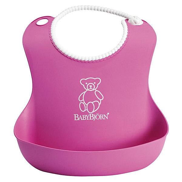 Мягкий нагрудник с карманом BabyBjorn, розовыйНагрудники и салфетки<br>Мягкий нагрудник с карманом BabyBjorn (БэйбиБьёрн) - функциональный и удобный нагрудник для активных детишек!<br><br>Этот нагрудник является незаменимым помощником для родителей, чьи дети активны во время еды. <br><br>Эргономичный дизайн нагрудника идеально подходит к строению тела малыша. Не стоит переживать из-за того, что нагрудник изготовлен из мягкого пластика - горловина очень мягкая, поэтому не поцарапает шею малыша, а замочек легко застёгивается. Вся пища останется в специальном кармане для улавливания пищи, сам нагрудник легко мыть даже в посудомоечной машине. <br><br>Яркий дизайн улучшит аппетит малыша во время самостоятельного приёма пищи! <br><br>Мягкий нагрудник с карманом BabyBjorn можно купить в нашем интернет-магазине.<br><br>Дополнительная информация:<br>- Размер горловины: 19-30 см.<br>- Цвет: розовый.<br>- Материал: полиэстат. Не содержит фталатов или ПВХ.<br><br>Ширина мм: 310<br>Глубина мм: 250<br>Высота мм: 71<br>Вес г: 103<br>Возраст от месяцев: 4<br>Возраст до месяцев: 36<br>Пол: Женский<br>Возраст: Детский<br>SKU: 1828781