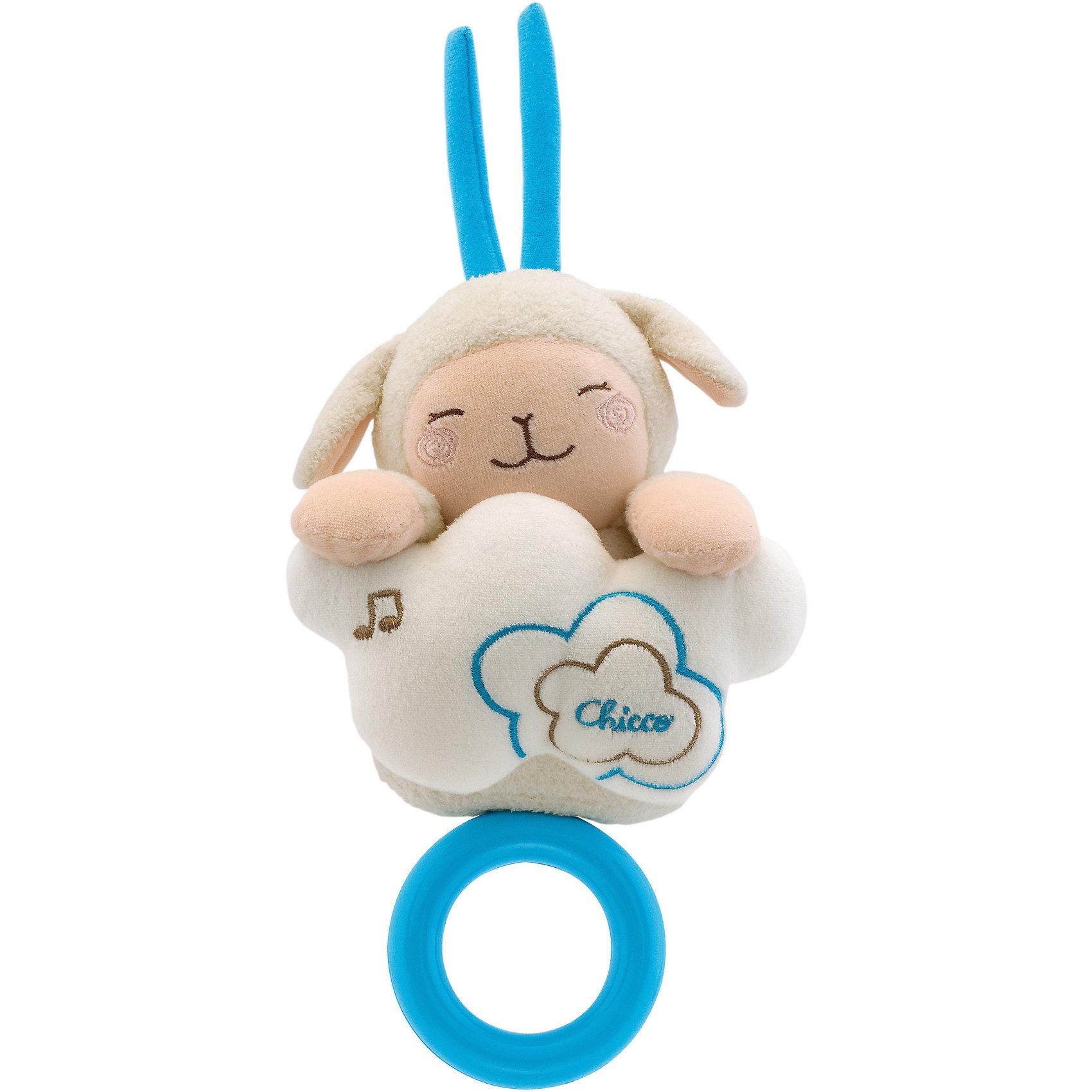 Музыкальная игрушка Овечка – Сладких снов, ChiccoПодвески<br>Музыкальная игрушка Овечка – Сладких снов, Chicco (Чикко).<br><br>Характеристики:<br><br>• Размер: 13,5 x 15 x 6,5 см. без кольца<br>• Мелодия: Колыбельная<br>• Цвет: молочный, голубой.<br><br>Замечательная музыкальная мягкая игрушка для малышей от известного бренда Chicco (Чикко). Милая мордашка овечки обязательно привлечет внимание вашего малыша, мелодичная колыбельная мягко и нежно убаюкает его, едва потянуть ее за пластмассовое колечко. Овечка и облачко выполнены из мягких приятных на ощупь материалов. <br><br>Музыкальную игрушку Овечка – Сладких снов, Chicco (Чикко), можно купить в нашем интернет-магазине.<br><br>Ширина мм: 94<br>Глубина мм: 176<br>Высота мм: 212<br>Вес г: 380<br>Возраст от месяцев: 0<br>Возраст до месяцев: 12<br>Пол: Унисекс<br>Возраст: Детский<br>SKU: 2009687