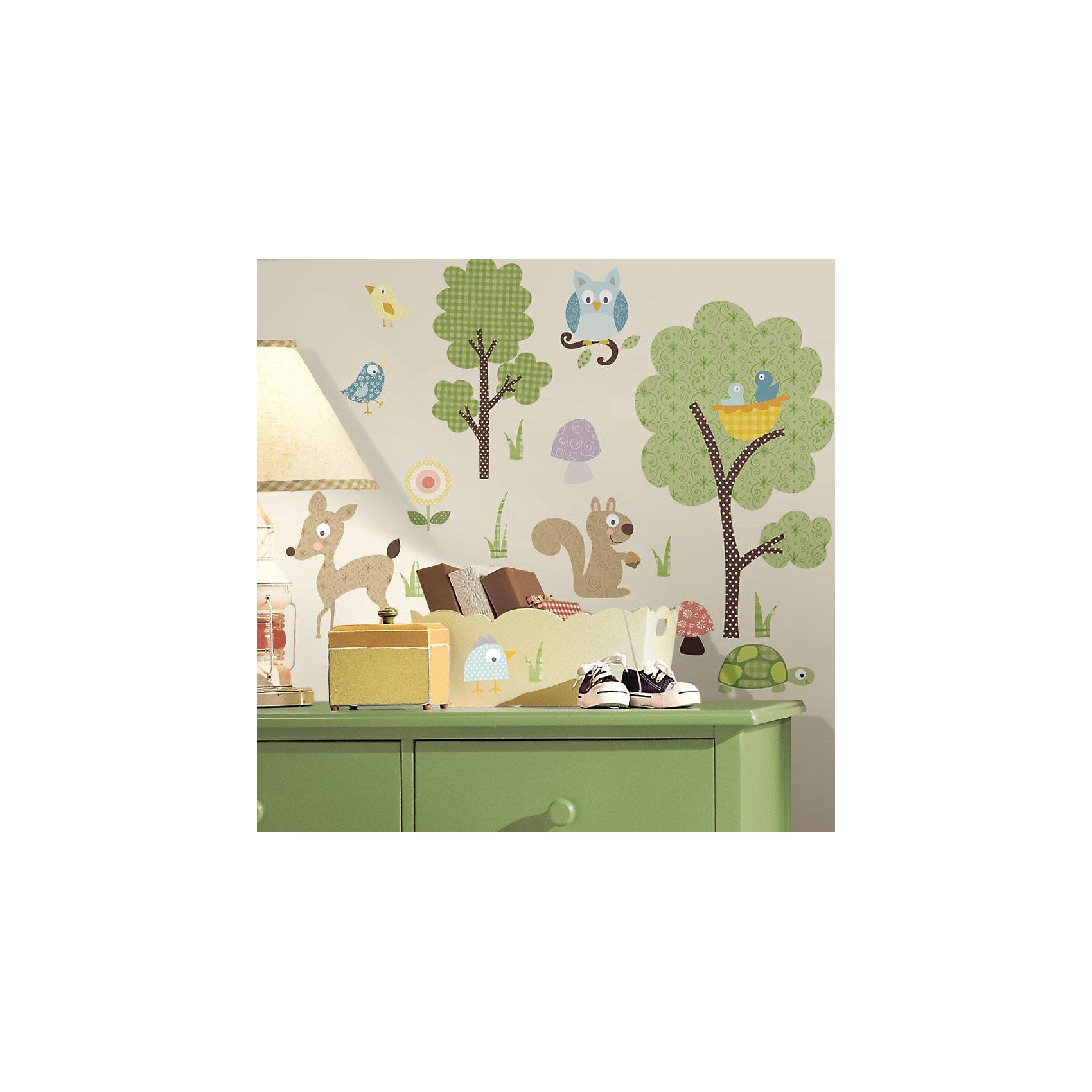 Наклейки для декора Лесные звериНаклейки для декора Лесные жители от знаменитого производителя RoomMates станут украшением вашей квартиры! Природа никогда не была такой веселой! Привнесите цвет и яркость в комнату с помощью нового увлекательного набора наклеек для декора! Каждый лист наклеек, входящих в комплект, содержит изображения дружелюбных белочек, веселых кроликов, любопытного оленя, а также птичек, цветов, деревьев и многого другого! Всего в наборе 89 стикеров. Наклейки не нужно вырезать - их следует просто отсоединить от защитного слоя и поместить на стену или любую другую плоскую гладкую поверхность. Наклейки многоразовые: их легко переклеивать и снимать со стены, они не оставляют липких следов на поверхности. В каждой индивидуальной упаковке Вы можете найти 4 листа с различными наклейками! Таким образом, покупая наклейки фирмы RoomMates, Вы получаете гораздо больший ассортимент наклеек, имея возможность украсить ими различные поверхности в доме.<br><br>Ширина мм: 275<br>Глубина мм: 126<br>Высота мм: 27<br>Вес г: 149<br>Цвет: зеленый<br>Возраст от месяцев: 0<br>Возраст до месяцев: 72<br>Пол: Унисекс<br>Возраст: Детский<br>SKU: 2090721