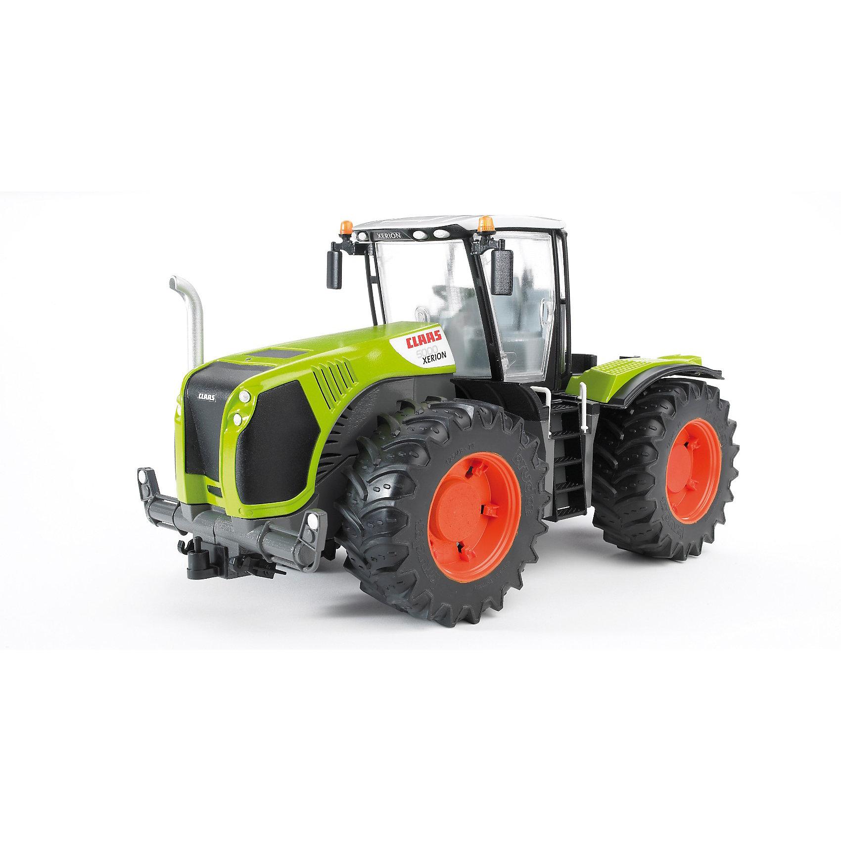 Трактор Claas Xerion 5000 с поворачивающейся кабиной, BruderКоллекционные модели<br>Трактор Claas Xerion 5000 Bruder (Брудер) с поворачивающейся кабиной позволит ребенку в деталях изучить особенности устройства дорожно-строительной техники и станет незаменимой в играх на строительную тематику.<br><br>Кабина трактора оборудована вращающимся рулем (управляет передними колесами), креслом и декоративными рычагами управления, двери кабины открываются. Кабина поворачивается на 180°. Трактором можно рулить как изнутри кабины, так и снаружи с помощью рулевого стержня через люк на крыше кабины. Капот открывается, предоставляя доступ к мотору.<br><br>Передняя часть трактора имеет съемную деталь для установки и крепления на корпус дополнительного навесного оборудования (косилки, ковша, плуга, бороны или прицепа). Сзади у трактора имеется механизм поднятия фаркопа (прицепного устройства). Вращая небольшую ручку, можно поднять или опустить его на нужную для сцепки высоту (прицеп будет надёжно закреплён).<br><br>Широкие колёса с крупным протектором из резины обеспечивает надежный ход машины. На обеих осях машины есть амортизаторы.<br><br>Дополнительная информация:<br><br>- Материал: высококачественный пластик, резина. <br>- Размер машины: 42 х 19 х 22,5 см. <br>- Размер упаковки: 20 х 50 х 25 см. <br>- Вес: 1,61 кг.<br><br>Трактор Claas Xerion 5000 Bruder можно купить в нашем интернет-магазине.<br><br>Ширина мм: 469<br>Глубина мм: 203<br>Высота мм: 243<br>Вес г: 1612<br>Возраст от месяцев: 36<br>Возраст до месяцев: 96<br>Пол: Мужской<br>Возраст: Детский<br>SKU: 2146016