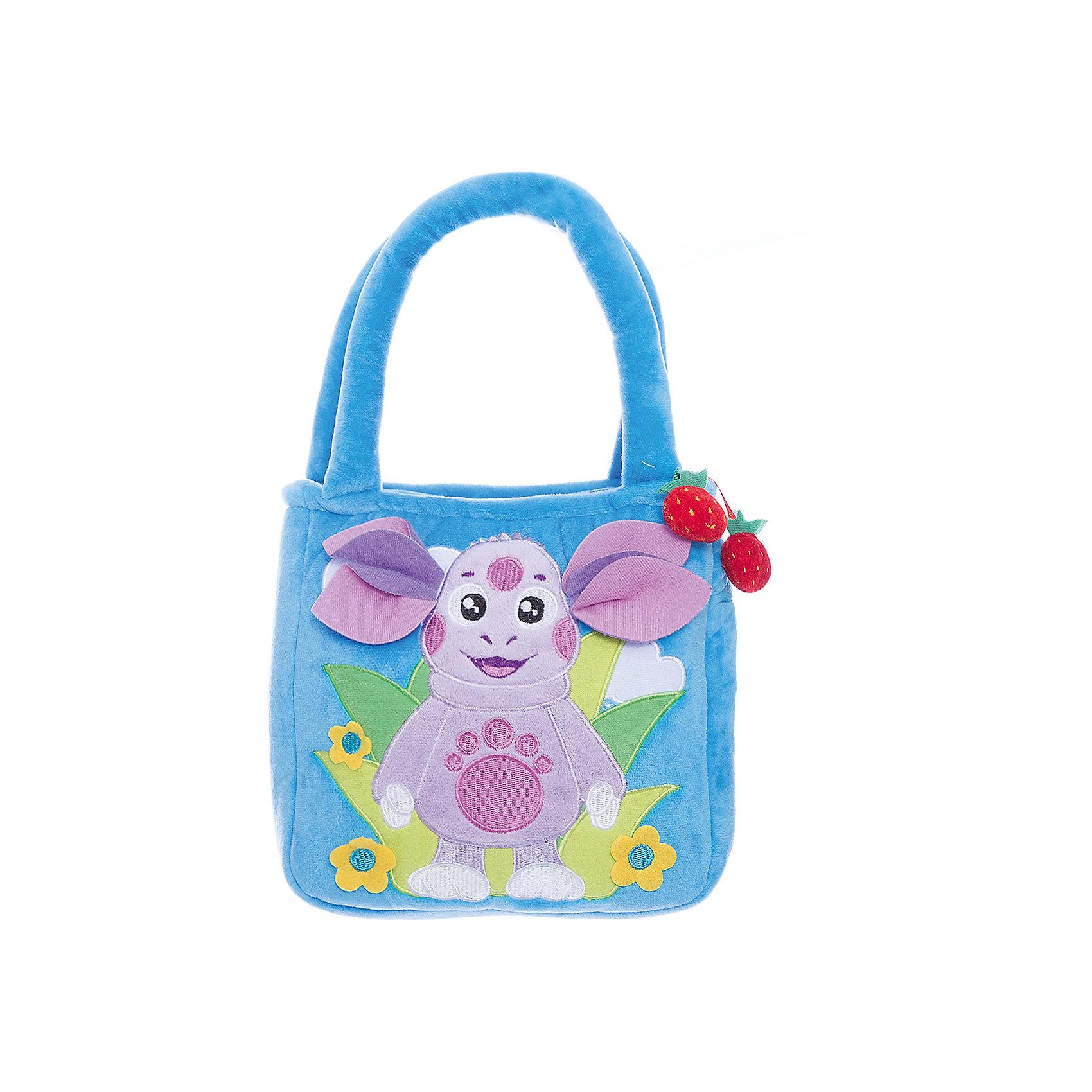 Синяя сумочка Лунтик, 24 см, МУЛЬТИ-ПУЛЬТИПлюшевые сумки и рюкзаки<br>Сумочка из мягкого материала Лунтик от МУЛЬТИ-ПУЛЬТИ.<br><br>Девочки любят носить с собой свои игрушки, ведь так они становятся похожи на маму или бабушку, которые всегда носят с собой сумочки. В эту удобную сумку поместятся любимые игрушки, которые Ваша дочь сможет взять с собой на прогулку или в детский садик. А весёлый Лунтик - любимец детей - сделает эту сумочку самой любимой. <br><br>Главное отделение сумки закрывается на молнию, удобные ручки.<br><br>Дополнительная информация:<br><br>Размер: 24 см.<br>Материал: плюш, текстиль, пластик.<br><br>Ширина мм: 40<br>Глубина мм: 230<br>Высота мм: 340<br>Вес г: 210<br>Возраст от месяцев: 12<br>Возраст до месяцев: 72<br>Пол: Женский<br>Возраст: Детский<br>SKU: 2149164