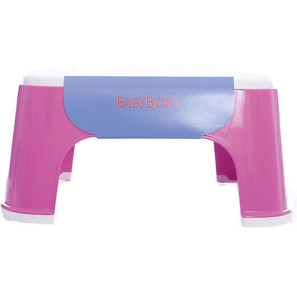 Стульчик-подставка BabyBjorn, розовыйДетские горшки<br>Стульчик-подставка BabyBjorn (БэйбиБьёрн) - безопасный шаг наверх! <br><br>Со стульчиком-подставкой Ваш ребенок легко и спокойно  может почистить зубы или вымыть руки, не обращаясь к Вам за помощью. Резиновая поверхность стульчика-подставки создана для того, чтобы ребенок не поскользнулся, даже если его ножки мокрые. Надежная резиновая прокладка на основании предотвращает скольжение  подставки. <br><br>Стульчик легко содержать в чистоте - просто ополосните его под краном. <br><br>Широкая цветовая гамма дает возможность выбрать максимально подходящий для вашей ванной комнаты цвет.<br><br>Проверено немецкой службой технического контроля T?V. <br><br>Размер: 35 х 24 х 16 см.<br>Максимальный вес для BABYBJ?RN Стульчика–подставки не установлен. Изделие предназначено для детей. BABYBJ?RN Стульчик–подставка достаточно прочен, чтобы выдержать взрослого, но он  однозначно рассчитан на детей.<br><br>Стульчик-подставку BabyBjorn розового цвета можно купить в нашем интернет-магазине.<br><br>Ширина мм: 315<br>Глубина мм: 155<br>Высота мм: 240<br>Вес г: 550<br>Возраст от месяцев: 12<br>Возраст до месяцев: 60<br>Пол: Женский<br>Возраст: Детский<br>SKU: 2157596