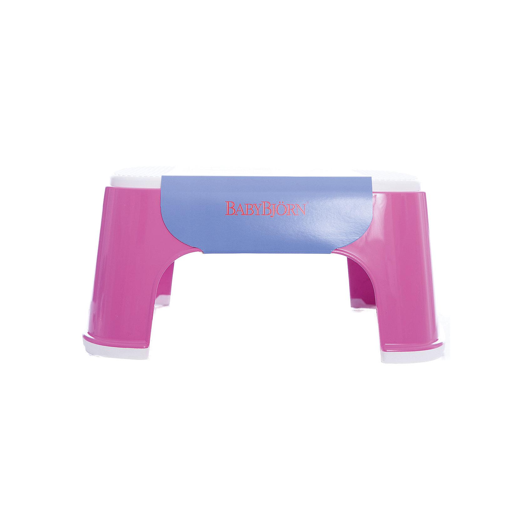 Стульчик-подставка BabyBjorn, розовыйГоршки, сиденья для унитаза, стульчики-подставки<br>Стульчик-подставка BabyBjorn (БэйбиБьёрн) - безопасный шаг наверх! <br><br>Со стульчиком-подставкой Ваш ребенок легко и спокойно  может почистить зубы или вымыть руки, не обращаясь к Вам за помощью. Резиновая поверхность стульчика-подставки создана для того, чтобы ребенок не поскользнулся, даже если его ножки мокрые. Надежная резиновая прокладка на основании предотвращает скольжение  подставки. <br><br>Стульчик легко содержать в чистоте - просто ополосните его под краном. <br><br>Широкая цветовая гамма дает возможность выбрать максимально подходящий для вашей ванной комнаты цвет.<br><br>Проверено немецкой службой технического контроля T?V. <br><br>Размер: 35 х 24 х 16 см.<br>Максимальный вес для BABYBJ?RN Стульчика–подставки не установлен. Изделие предназначено для детей. BABYBJ?RN Стульчик–подставка достаточно прочен, чтобы выдержать взрослого, но он  однозначно рассчитан на детей.<br><br>Стульчик-подставку BabyBjorn розового цвета можно купить в нашем интернет-магазине.<br><br>Ширина мм: 315<br>Глубина мм: 155<br>Высота мм: 240<br>Вес г: 550<br>Возраст от месяцев: 12<br>Возраст до месяцев: 60<br>Пол: Женский<br>Возраст: Детский<br>SKU: 2157596