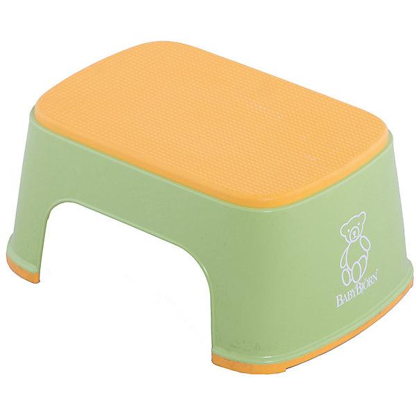 Стульчик-подставка BabyBjorn, зеленыйНакладки на унитаз и стульчики-подставки<br>Стульчик-подставка BabyBjorn (БэйбиБьёрн) - безопасный шаг наверх! <br><br>Со стульчиком-подставкой Ваш ребенок легко и спокойно  может почистить зубы или вымыть руки, не обращаясь к Вам за помощью. Резиновая поверхность стульчика-подставки создана для того, чтобы ребенок не поскользнулся, даже если его ножки мокрые. Надежная резиновая прокладка на основании предотвращает скольжение  подставки. <br><br>Стульчик легко содержать в чистоте - просто ополосните его под краном. <br><br>Широкая цветовая гамма дает возможность выбрать максимально подходящий для вашей ванной комнаты цвет.<br><br>Проверено немецкой службой технического контроля T?V. <br><br>Размер: 35 х 24 х 16 см.<br>Максимальный вес для BABYBJ?RN Стульчика–подставки не установлен. Изделие предназначено для детей. BABYBJ?RN Стульчик–подставка достаточно прочен, чтобы выдержать взрослого, но он  однозначно рассчитан на детей.<br><br>Стульчик-подставку BabyBjorn зеленого цвета можно купить в нашем интернет-магазине.<br><br>Ширина мм: 315<br>Глубина мм: 155<br>Высота мм: 240<br>Вес г: 550<br>Возраст от месяцев: 18<br>Возраст до месяцев: 36<br>Пол: Унисекс<br>Возраст: Детский<br>SKU: 2157598