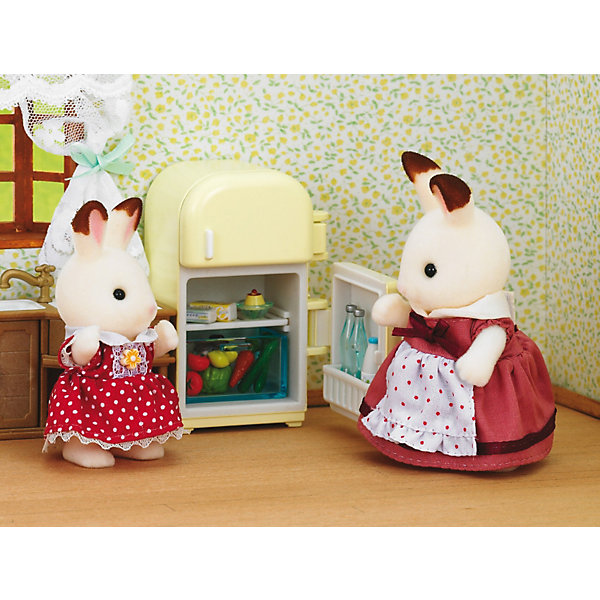 Набор Мама с холодильником Sylvanian FamiliesSylvanian Families<br>Набор шоколадных зайцев Sylvaian Families (Сильваниан Фэмилиес): мама с холодильником. <br><br>Заботливая мама Зайчиха следит за тем, чтобы её семья никогда не оставалась голодной. В холодильнике у мамы Зайчихи всегда найдётся что-то вкусненькое и полезное!<br><br>Зайчиха одета в нарядное платье с фартуком. Оно на липучках, поэтому его легко можно снять и надеть. <br><br>Холодильник состоит из двух камер. Внутри есть полочки и ящик для овощей. Все дверцы открываются, а на полках можно разместить продукты, которые ходят в комплект.<br><br>Дополнительная информация:<br><br>В комплекте:<br><br>- мама-зайчик (9,5 см)<br>- холодильник <br>- 2 томата<br>- 2 огурца<br>- 2 лимона<br>- кочан капусты<br>- 1 морковка<br>- 2 гриба<br>- 1 бутылка молока<br>- 2 бутылки воды<br>- пачка масла<br>- сыр<br>- 2 стаканчика мороженого<br>- пирожное на тарелке<br>-  коробка со льдом. <br><br>Материал: текстиль, пластмасса, ПВХ с полимерным напылением. <br><br>Этот набор обязательно порадует Вашего ребёнка, ведь теперь он сможет разыгрывать сценки из собственной жизни! Набор также способствует развитию фантазии и навыков общения.<br><br>Ширина мм: 170<br>Глубина мм: 146<br>Высота мм: 79<br>Вес г: 178<br>Возраст от месяцев: 36<br>Возраст до месяцев: 72<br>Пол: Женский<br>Возраст: Детский<br>SKU: 2196825