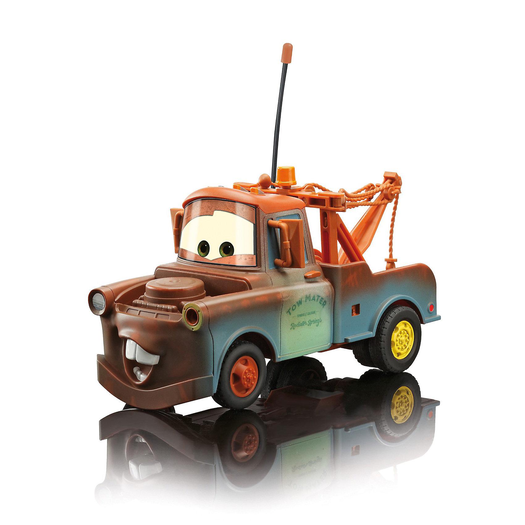 Машинка Mater на р/у, Тачки, 19 смИдеи подарков<br>Машинка Mater Dickie на радиоуправлении порадует всех юных поклонников  мультсериала Тачки (Cars). Мэтр (Mater) - один из главных персонажей мультфильма, веселый грузовик-эвакуатор, который помогает выбраться машинам из ям и канав. Внешний вид машинки полностью соответствует своему мультперсонажу. <br><br>С помощью пульта управления машинка может выполнять различные маневры: постепенно набирать скорость, двигаться вперед-назад, влево-вправо. Пульт и сама машинка оснащены антеннами с пластмассовыми наконечниками. Частота 27+40 МГц. Колеса широкие, прорезиненные.<br><br>Дополнительная информация:<br><br>- Масштаб: 1:24.<br>- Материал: пластмасса.<br>- Требуются батарейки: в пульт - 3х1,5V LR03(AAA), в машинку - 3х1,5V LR6(AA) (в комплект не входят).<br>- Размер игрушки: 19 см.<br>- Размер упаковки: 30,3 х 15,3 х 14,9 см.<br>- Вес: 0,727 кг.<br><br>Машинку на радиоуправлении Mater Dickie можно купить в нашем интернет-магазине.<br><br>Ширина мм: 315<br>Глубина мм: 154<br>Высота мм: 154<br>Вес г: 701<br>Возраст от месяцев: 72<br>Возраст до месяцев: 120<br>Пол: Мужской<br>Возраст: Детский<br>SKU: 2200376