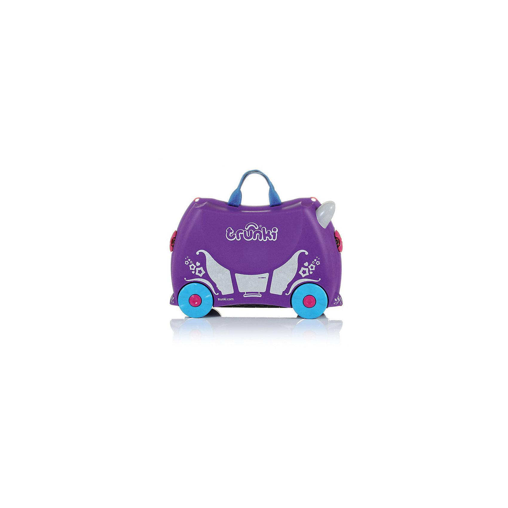 Фиолетовый чемодан на колесиках Принцесса ПенелопаЧемодан на колесиках Penelope Princess Carriage - стильный детский чемодан для путешествующих принцесс. В удобный чемодан поместится довольно много нарядов, игрушек и прочих ценностей. Кроме того, чемодан можно использовать, как оригинальное средство передвижения и необычное сиденье. Невероятно модный и стильный дорожный аксессуар без сомнения понравится любой девочке. <br><br>Дополнительная информация:<br><br>- Материал: пластик, металл.<br>- Колеса: 4 шт.<br>- Размер: 31х21х46 см. <br>- Вместительность: 18 литров. <br>- Вес: 1,7 кг.<br>- Количество отделений: 2.<br>- Цвет: фиолетовый.<br>- Максимальный вес: 45 кг. <br><br>Фиолетовый чемодан на колесиках Принцесса Пенелопа от trunki (Транки) можно купить в нашем магазине.<br><br>Ширина мм: 47<br>Глубина мм: 23<br>Высота мм: 33<br>Вес г: 1677<br>Возраст от месяцев: 36<br>Возраст до месяцев: 72<br>Пол: Женский<br>Возраст: Детский<br>SKU: 2220670