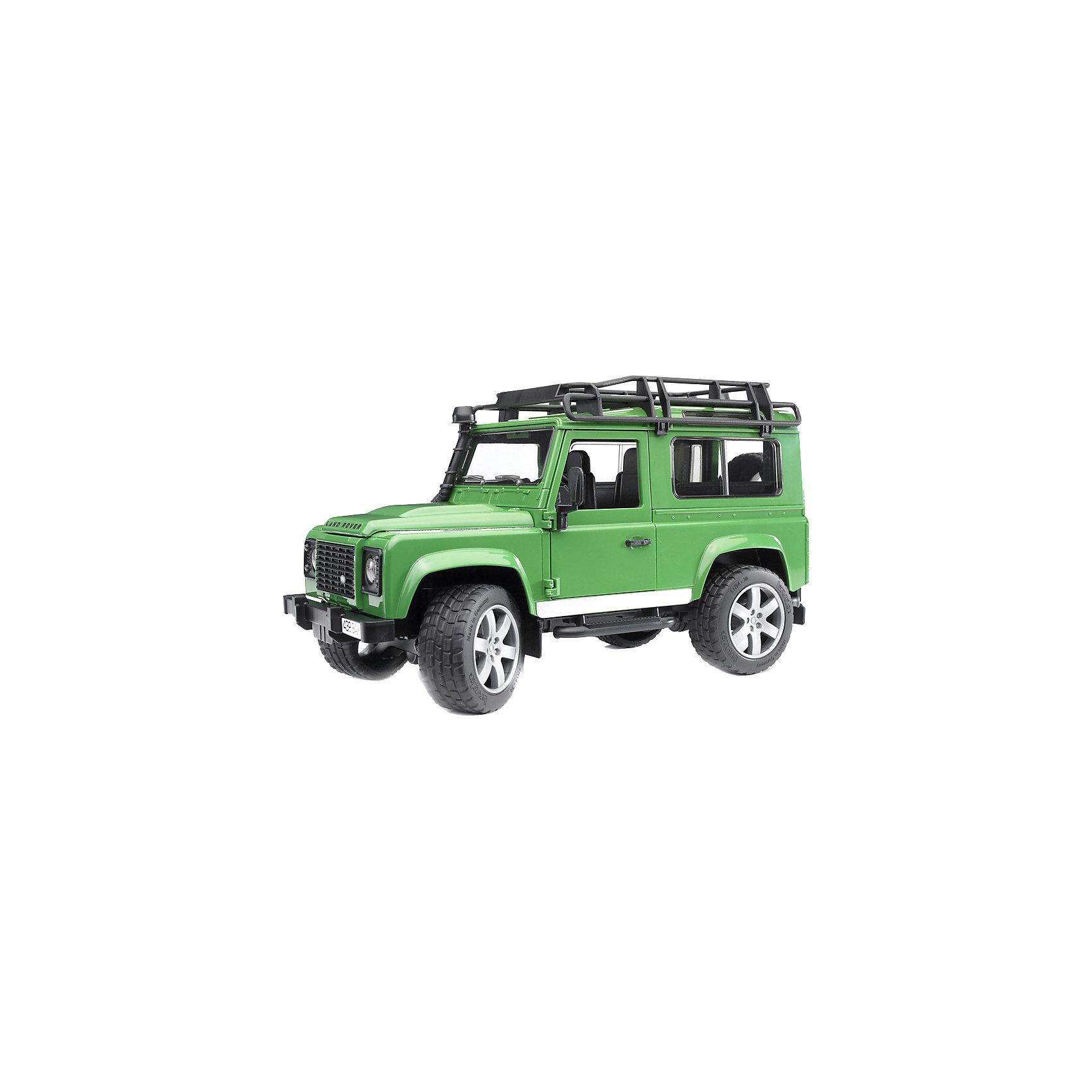 Внедорожник Land Rover DefenderБольшой транспорт от 50 см<br>Внедорожник Land Rover Defender - копия реальной техники в масштабе 1:16.<br><br>Особенности игрушки:<br><br>- Капот двигателя открывается и закрепляется на поддерживающей стойке. В закрытом положении плотно фиксируется защёлками.<br>- Передние двери и задний борт машины открываются, есть запасное колесо. <br>- При необходимости перевозки груза, снимаются задние сидения.<br>- Вращая руль в кабине, можно управлять передними колесами – при его повороте колёса заворачивают и машина движется в нужную сторону.<br>- Протекторы шин имеют четкий рельеф и не гремят при езде.<br>- Лебедка в комплект не входит.<br><br>Дополнительная информация:<br><br>- Материал: пластмасса.<br>- Размеры упаковки: 16 х 38 х 16,5 см.<br>- Вес: 780 гр.<br><br>Внедорожник Land Rover Defender от Bruder (Брудер) можно купить в нашем магазине.<br><br>Ширина мм: 384<br>Глубина мм: 159<br>Высота мм: 185<br>Вес г: 793<br>Возраст от месяцев: 36<br>Возраст до месяцев: 96<br>Пол: Мужской<br>Возраст: Детский<br>SKU: 2238045