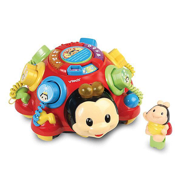 Говорящий жук, VtechИнтерактивные животные<br>Говорящий жук, Vtech (Втеч).<br><br>Характеристики:<br><br>• Для детей от 12 месяцев<br>• Материал: пластик<br>• Размер: 21х24х13 см.<br>• Батарейки: 2 типа АА (в комплекте демонстрационные)<br>• Упаковка: красочная подарочная коробка<br>• Размер упаковки: 29,5х27,5х18 см.<br><br>Говорящий жук от французской компании Vtech – великолепная развивающая игрушка, которая работает в двух режимах обучающем и музыкальном. Красочный разноцветный жук поможет малышу выучить названия предметов, цифр и фигур. На спинке есть 6 кнопочек разных геометрических форм. <br><br>На каждой кнопке есть цифра и нарисованы предметы в количестве, соответствующем цифре. Сверху на кнопки можно надевать фигурки, которые имеют определенную форму и цвет. Нажав на маленького жучка, сидящего сверху, все фигурки выскочат из своих лунок, и включится обучающий режим. Ребенку нужно будет выполнить несложные задания: нажать на кнопочку с цифрой, нажать на кнопочку с предметом или найти фигурку и надеть ее на кнопочку соответствующей формы. Если задание выполнено правильно, то маленький жучок похвалит малыша. <br><br>Вокруг маленького жучка расположены светящиеся кнопочки. Если нажать на одну из них, вы услышите мелодию, если нажать на другую - звуковые эффекты. Если катать игрушку за веревочку, то маленький жучок вращается и играет веселая мелодия. Чем быстрее едет жук, тем быстрее играет мелодия. Верёвочка хранится в специальном отсеке. Имеются световые эффекты: светятся кнопочки и рожки. Предусмотрен таймер автоматического отключения. Игрушка изготовлена из прочного безопасного не бьющегося пластика. Продается в красочной коробке и идеально подходит в качестве подарка.<br><br>Игрушку Говорящий жук, Vtech (Втеч) можно купить в нашем интернет-магазине.<br><br>Ширина мм: 180<br>Глубина мм: 300<br>Высота мм: 280<br>Вес г: 1500<br>Возраст от месяцев: 6<br>Возраст до месяцев: 36<br>Пол: Унисекс<br>Возраст: Детский<br>SKU: 2263130