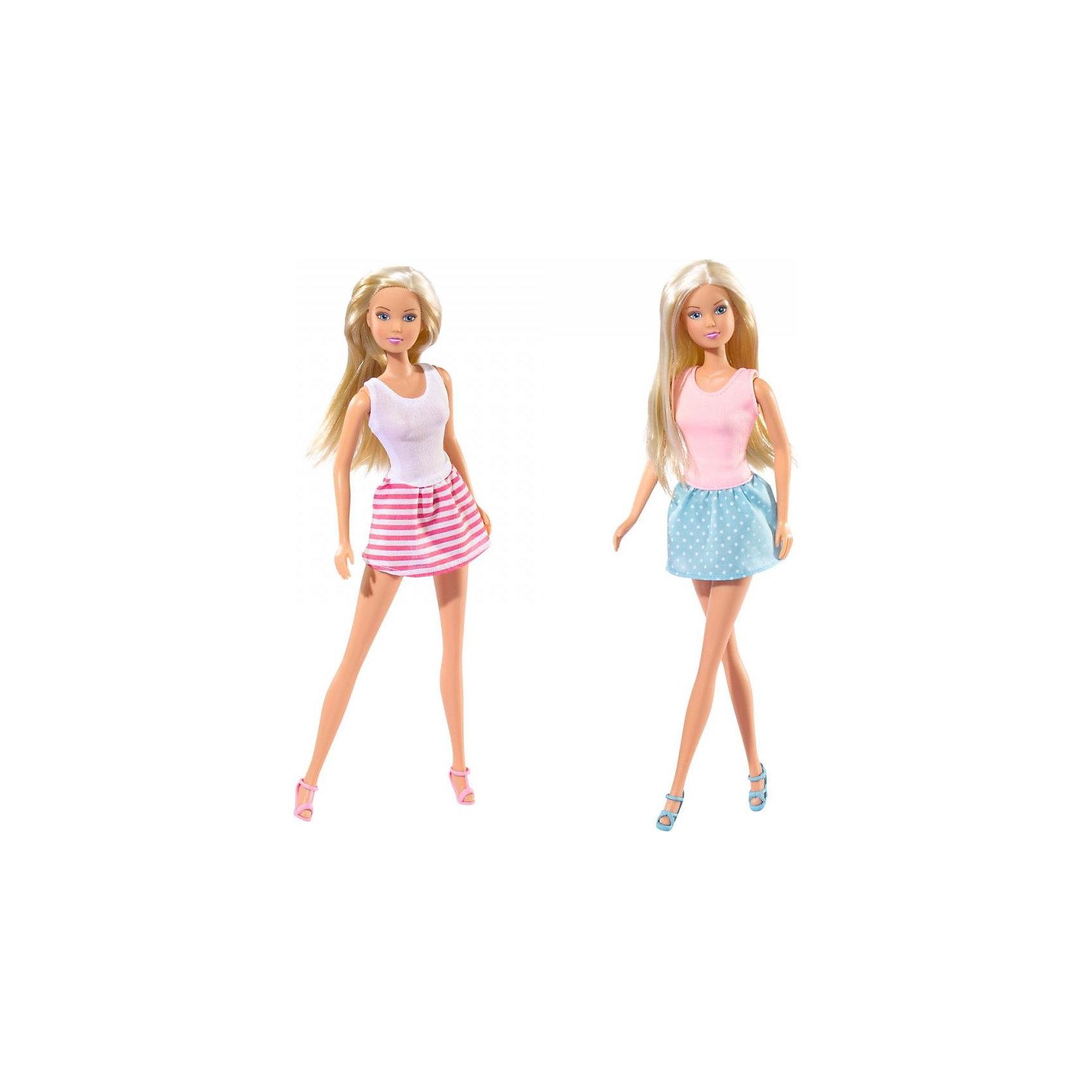 Кукла Штеффи - городская мода, SimbaБренды кукол<br>Характеристики товара:<br><br>- цвет: разноцветный;<br>- материал: пластик, текстиль;<br>- возраст: от трех лет;<br>- комплектация: кукла, аксессуары;<br>- высота куклы: 29 см.<br><br>Эта симпатичная кукла Штеффи от известного бренда не оставит девочку равнодушной! Какая девочка сможет отказаться поиграть с куклами, которые дополнены таким очаровательным нарядом?! В набор входит одежда для куклы. Игрушка очень качественно выполнена, поэтому она станет замечательным подарком ребенку. <br>Продается набор в красивой удобной упаковке. Игры с куклами помогают девочкам развить важные навыки и отработать модели социального взаимодействия. Изделие произведено из высококачественного материала, безопасного для детей.<br><br>Куклу Штеффи - городская мода, 29 см, от бренда Simba можно купить в нашем интернет-магазине.<br><br>Ширина мм: 45<br>Глубина мм: 95<br>Высота мм: 325<br>Вес г: 200<br>Возраст от месяцев: 36<br>Возраст до месяцев: 84<br>Пол: Женский<br>Возраст: Детский<br>SKU: 2270179