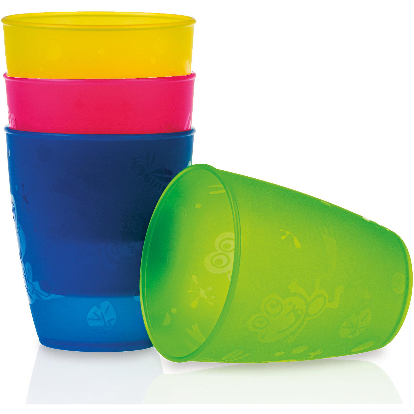 Набор стаканов, 300 мл., 4 шт., NubyПосуда для малышей<br>Набор разноцветных стаканов. <br>Яркие и разноцветные стаканчики, приучат Вашего малыша к взрослой посуде. Помогут Вам устроить праздник для Вашего ребенка, когда к нему придут друзья.<br><br>В набор входят 4 стаканчика разных цветов (желтый, зеленый, синий, розовый)<br><br>Полипропиленовые, крепкие и многоразовые.<br>Можно мыть в посудомоечной машине. <br><br>ИНСТРУКЦИИ ПО УХОДУ: Мыть вручную в теплой воде с мягким жидким мылом и затем тщательно промывать под водой, либо мыть в посудомоечной машине (ТОЛЬКО НА ВЕРХНЕЙ ПОЛКЕ).<br><br>ПРЕДУПРЕЖДЕНИЕ: Никогда не оставляйте ребенка без внимания во время использования им этого или иного детского изделия. Всегда проверяйте температуру пищи перед тем, как кормить ребенка.<br><br>Изделие изготовлено из безопасных, долговечных, нетоксичных материалов. Сертифицировано в России. Соответствует всем требованиям ГОСТ и СанПиН.<br><br>Ширина мм: 228<br>Глубина мм: 88<br>Высота мм: 88<br>Вес г: 118<br>Цвет: mehrfarbig<br>Возраст от месяцев: 18<br>Возраст до месяцев: 72<br>Пол: Унисекс<br>Возраст: Детский<br>SKU: 2274394