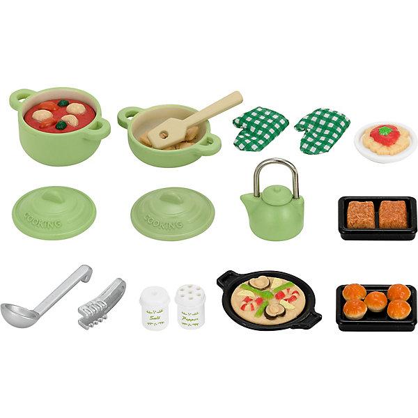 Набор Большой обед Sylvanian FamiliesSylvanian Families<br>Набор Большой обед Sylvanian Families (Сильваниан Фэмилиес)  включает игрушечную посуду, продукты и кухонные принадлежности  для приготовления еды.<br><br>В комплекте:<br>- кастрюля с крышкой, в которой готовится рагу 3x4x2 см;<br>- маленькая кастрюля с крышкой 3x4x1 см;<br>- чайник с крышкой;<br>- 2 противня;<br>- 2 прихватки;<br>- шипцы;<br>- черпак;<br>- лопатка;<br>- блюдо с пиццей;<br>- тарелка с едой;<br>- солонка, перечница;<br>- 5 кексов;<br>- 6 крекеров;<br>- 2 пирожка.<br><br>Материал: высококачественная пластмасса<br>Размеры: 13 * 3 * 14 см.<br><br>Ширина мм: 144<br>Глубина мм: 131<br>Высота мм: 32<br>Вес г: 87<br>Возраст от месяцев: 36<br>Возраст до месяцев: 72<br>Пол: Женский<br>Возраст: Детский<br>SKU: 2328099