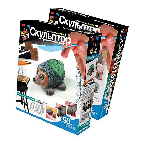Фантазер Скульптор ЕжикНаборы полимерной глины<br>Фантазер Скульптор Ежик<br><br>Характеристики:<br><br>• игрушка из глины своими руками<br>• подходит для игр и украшения дома<br>• всё необходимое в комплекте<br>• размер упаковки: 18,5х22х5<br>• вес: 416 грамм<br>• в комплекте: скульптурная голубая глина, стек, инструкция<br><br>Лепка из глины - очень увлекательное и полезное занятие, особенно для детей. Сам материал очень податлив и может быть как мягким, так и твердым. А сам процесс лепки хорошо развивает мелкую моторику, усидчивость и творческие способности. Набор Ёжик содержит безвредную для ребенка голубую глину, из которой предстоит вылепить забавного ежика с листочком. Подробная инструкция расскажет, как сделать это правильно. Готовую фигурку останется только раскрасить красками. Очаровательный сувенир готов! Маленький ёжик подойдет в качестве подарка, игрушки или украшения дома.<br><br>Фантазер Скульптор Ежик можно купить в нашем интернет-магазине.<br><br>Ширина мм: 185<br>Глубина мм: 50<br>Высота мм: 220<br>Вес г: 350<br>Возраст от месяцев: 60<br>Возраст до месяцев: 1188<br>Пол: Унисекс<br>Возраст: Детский<br>SKU: 2331288