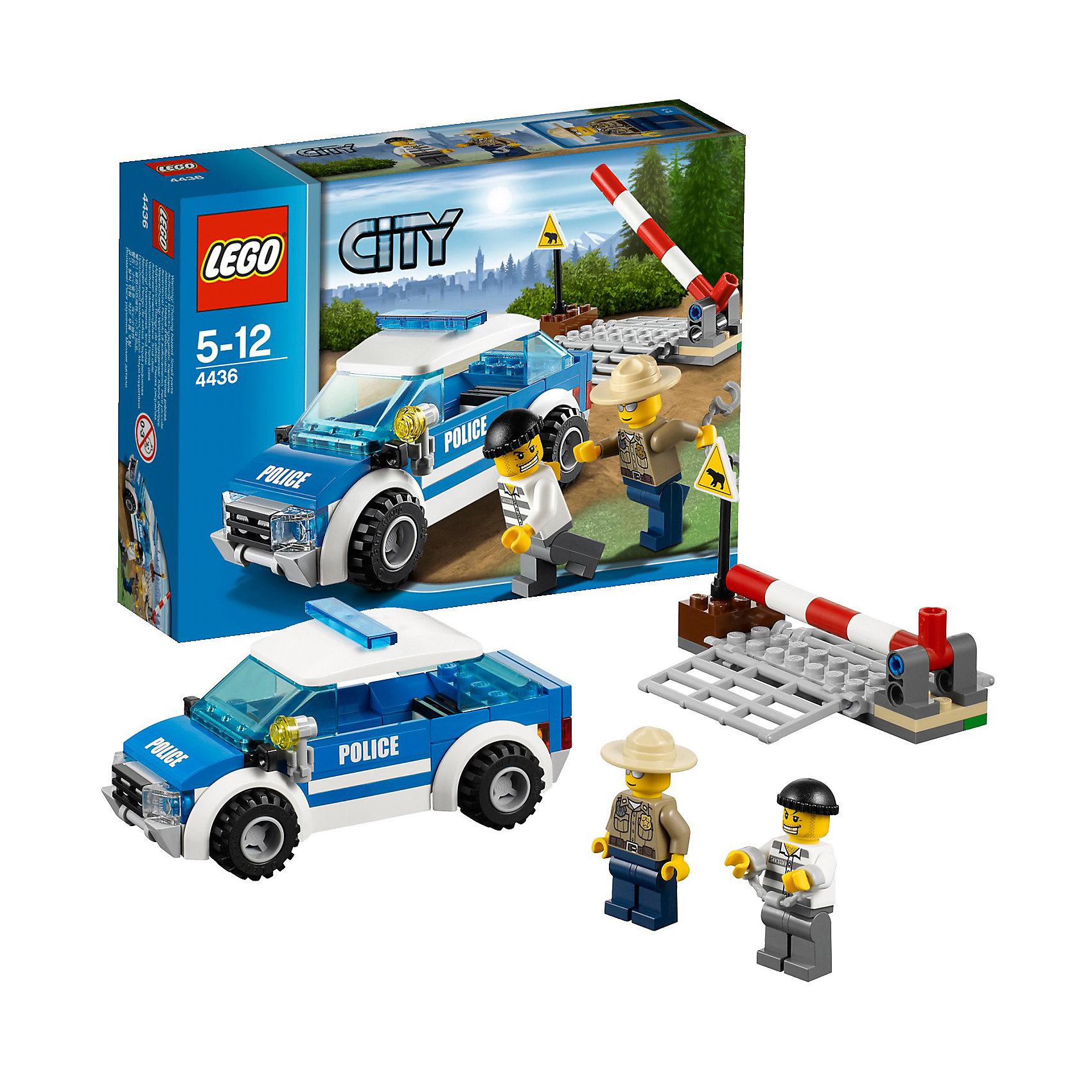 LEGO City 4436: Патрульная машинаПолицейский лесной полиции заметил грабителя, пытающегося скрыться в лесу. Догони преступника на патрульной машине и одень на него наручники, пока он не перепрыгнул через преграду и не скрылся. <br><br>Дополнительная информация:<br><br>- В наборе 2 минифигурки: полицейский и грабитель<br>- Также набор содержит: наручники, решетку (отделяет город<br>от леса), дорожный знак («Берегись медведя!»)<br><br>Детали:<br><br>- Артикул LEGO: 4436<br>- Количество деталей LEGO: 97<br><br>Ширина мм: 221<br>Глубина мм: 192<br>Высота мм: 51<br>Вес г: 145<br>Возраст от месяцев: 60<br>Возраст до месяцев: 144<br>Пол: Мужской<br>Возраст: Детский<br>SKU: 2362018