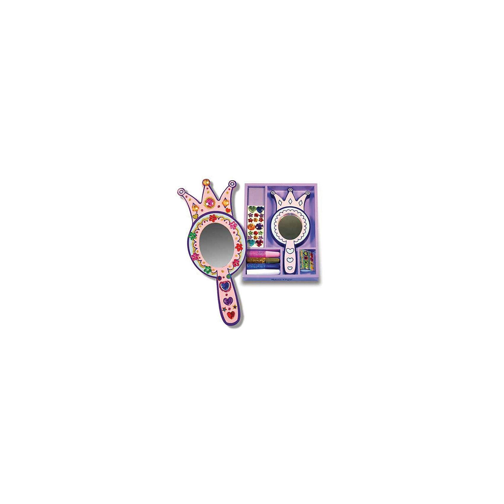 Melissa &amp; Doug Набор Зеркало принцессыРукоделие<br>Замечательный набор серии «Творчество», хранящийся в удобном фиолетовом деревянном ящичке. <br><br>В набор входит зеркало в деревянной оправе, клей с блестками, прозрачные камушки различной формы и цвета. Благодаря такому набору, Ваша маленькая прелестница легко сможет создать свое уникальное и неповторимое Зеркало принцессы.<br><br>Дополнительная информация:<br><br>- В комплекте зеркало в деревянной оправе, клей с блестками, прозрачные камушки<br>- Размер: 17 х 25 х 2 см<br><br>Ширина мм: 20<br>Глубина мм: 250<br>Высота мм: 170<br>Вес г: 310<br>Возраст от месяцев: 48<br>Возраст до месяцев: 84<br>Пол: Женский<br>Возраст: Детский<br>SKU: 2401067
