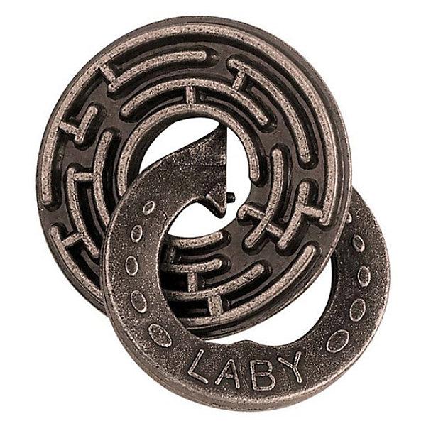 Головоломка Laby, Уровень 5, HanayamaКлассические головоломки<br>Характеристики:<br><br>• возраст: от 8 лет;<br>• уровень сложности: 5;<br>• материал: металл;<br>• размер упаковки: 12х7,5х4,5 см;<br>• страна бренда: Япония.<br><br>Главная цель головоломки Laby от Hanayama — продвинуть и освободить металлическое звено с помощью лабиринта второго диска. Сделать это будет действительно непросто, потому что уровень головоломки рассчитан на опытного эрудита.<br><br>Время за с этой головоломкой пролетит незаметно, особенно, если взять ее с собой в дорогу. Игра развивает логические способности и абстрактное мышление, повышает концентрацию и внимательность.<br><br>Головоломку Laby, уровень 5, Hanayama можно купить в нашем интернет-магазине.<br>Ширина мм: 120; Глубина мм: 75; Высота мм: 40; Вес г: 110; Возраст от месяцев: 84; Возраст до месяцев: 1188; Пол: Унисекс; Возраст: Детский; SKU: 2486039;