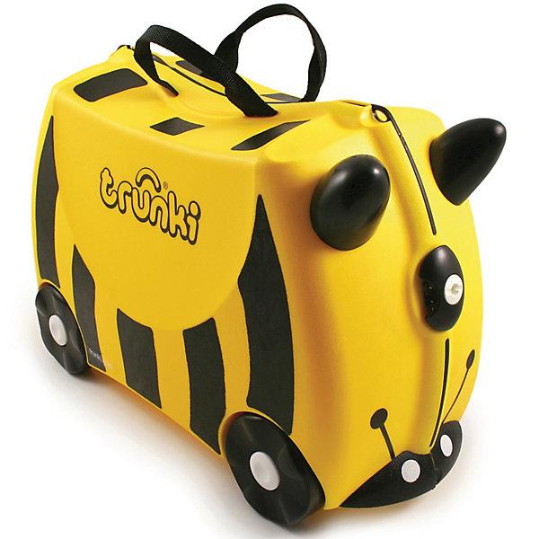 Чемодан на колесиках ПчелаДорожные сумки и чемоданы<br>Забавный детский чемодан в виде пчелки – очаровательный дорожный аксессуар для самых взыскательных путешественников. Родители позавидуют своему малышу, когда он присядет отдохнуть в очереди на паспортном контроле  или обгонит всех идущих, ловко маневрирую на своем чемодане между пассажирами. И удобная дорожная сумка и средство передвижения в одном чемодане на колесиках.<br><br>Дополнительная информация:<br><br>- Материал: пластик, металл.<br>- Колеса: 4 шт.<br>- Размер: 31х21х46 см. <br>- Вместительность: 18 литров. <br>- Вес: 1,7 кг.<br>- Количество отделений: 2.<br>- Цвет: желтый, черный.<br>- Максимальный вес: 45 кг. <br><br>Чемодан на колесиках Пчела от trunki (Транки) можно купить в нашем магазине.<br><br>Ширина мм: 457<br>Глубина мм: 322<br>Высота мм: 226<br>Вес г: 1684<br>Возраст от месяцев: 72<br>Возраст до месяцев: 84<br>Пол: Унисекс<br>Возраст: Детский<br>SKU: 2501076