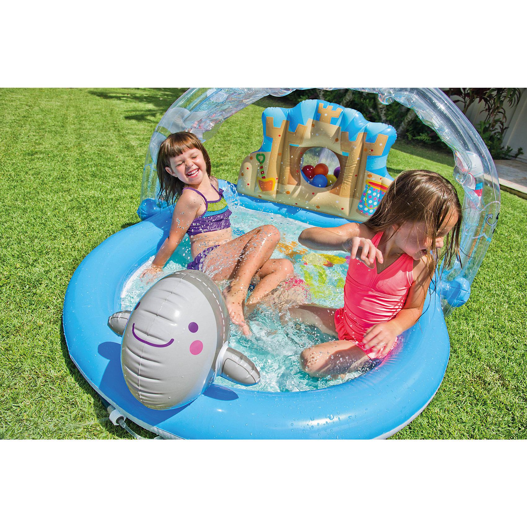 Детский надувной игровой центр На лужайке, IntexИгровые центры<br>Детский надувной игровой центр На лужайке, Intex (Интекс) может служить Вашим деткам прекрасным бассейном. Если одолевает жара или захотелось водных процедур, Вы можете создать свой маленький оазис, просто подключив садовый шланг к распылителю-радуге. В задней высокой стенке бассейна сделана маленькая пещера, где детки могут прятать свои игрушки.<br><br>Дополнительная информация:<br><br>- В комплекте: детский надувной игровой центр На лужайке Интекс, 6 разноцветным шариков <br>- Размер: 155 x 130 x 84 см<br>- Объем бассейна 123 л. при 80 % наполнении.<br>- Высота бортиков 11 см.<br>- Вес в упаковке: 4,5 кг.<br><br>Детский надувной игровой центр На лужайке, Intex (Интекс) можно купить в нашем интернет-магазине.<br><br>Ширина мм: 325<br>Глубина мм: 335<br>Высота мм: 391<br>Вес г: 7713<br>Возраст от месяцев: 36<br>Возраст до месяцев: 1164<br>Пол: Унисекс<br>Возраст: Детский<br>SKU: 2535132