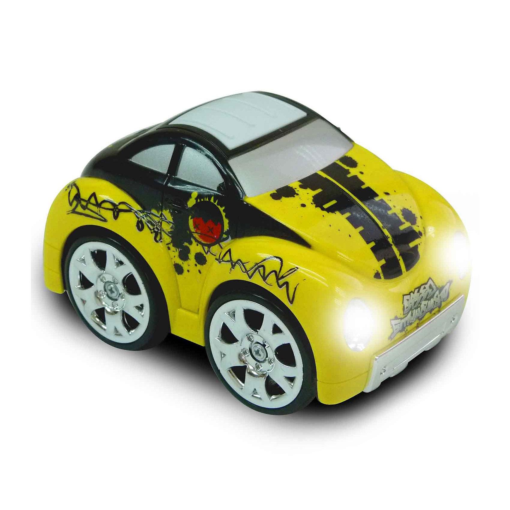 KidzTech Радиоуправляемая мини машинка желтого цветаМашинки<br>Радиоуправляемая мини машинка станет отличным подарком для Вашего малыша.Маленькая маневренная машинка, которой можно дистанционно управлять – что может быть лучше! С ней Вы проведете множество незабываемых мгновений<br>Размер упаковки: 22х11х12,5 см.<br>Радиоуправляемая мини машинка станет отличным подарком для Вашего малыша.Маленькая маневренная машинка, которой можно дистанционно управлять – что может быть лучше! С ней Вы проведете множество незабываемых мгновений.<br>Яркие фары этой машинки позволят устраивать увлекательные заезды даже в темное время суток.<br>В комплекте: радиоуправляемый автомобиль, пульт дистанционного управления, антенна, инструкция на русском языке.<br>Для работы машинки требуется 3 батарейки типа 1,5V АА, которые продаются отдельно. <br>Для работы пульта требуется 1 батарейка 9V.<br><br>Ширина мм: 220<br>Глубина мм: 110<br>Высота мм: 125<br>Вес г: 720<br>Возраст от месяцев: 36<br>Возраст до месяцев: 1188<br>Пол: Мужской<br>Возраст: Детский<br>SKU: 2539761