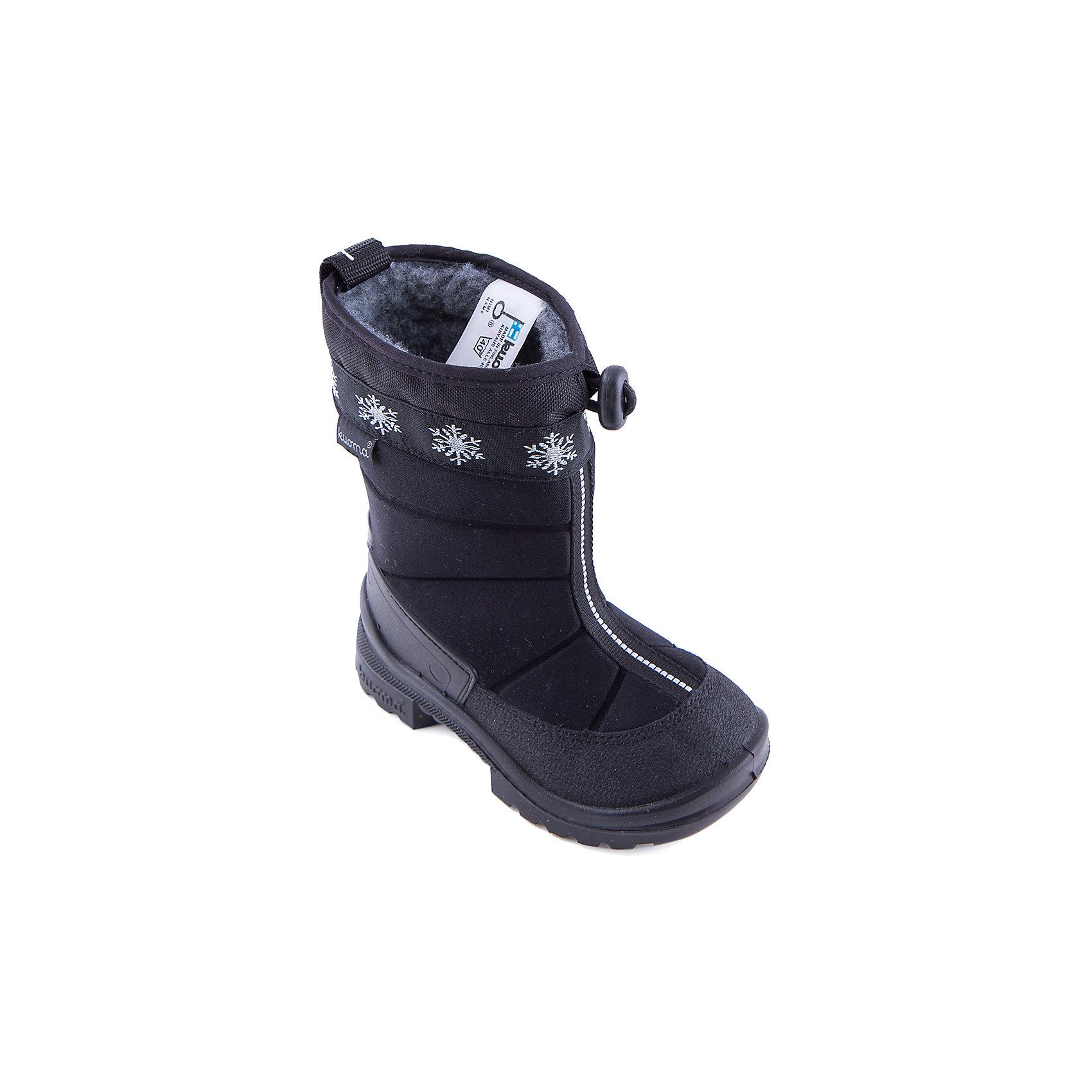 Зимние сапоги для мальчика KUOMAСапоги Kuoma(Куома) подойдут даже для самой холодной зимы. Верх сапожек имеет водо и грязеотталкивающую пропитку. Кроме того, эта обувь не промокает,  не скользит даже по льду и обладает высокой прочностью. Отличный вариант для зимы!<br><br>Дополнительная информация:<br>Материал. Верх: текстиль. Подкладка: искусственный материал. Стелька: искусственный мех. Подошва: полиуретан<br>Сезон: зима<br><br>Сапоги Kuoma(Куома) вы можете приобрести в нашем интернет-магазине.<br><br>Ширина мм: 257<br>Глубина мм: 180<br>Высота мм: 130<br>Вес г: 420<br>Цвет: черный<br>Возраст от месяцев: 12<br>Возраст до месяцев: 15<br>Пол: Мужской<br>Возраст: Детский<br>Размер: 22,25,26,24,23,31,29,32,33,35,27,28,30,21,34<br>SKU: 2556304