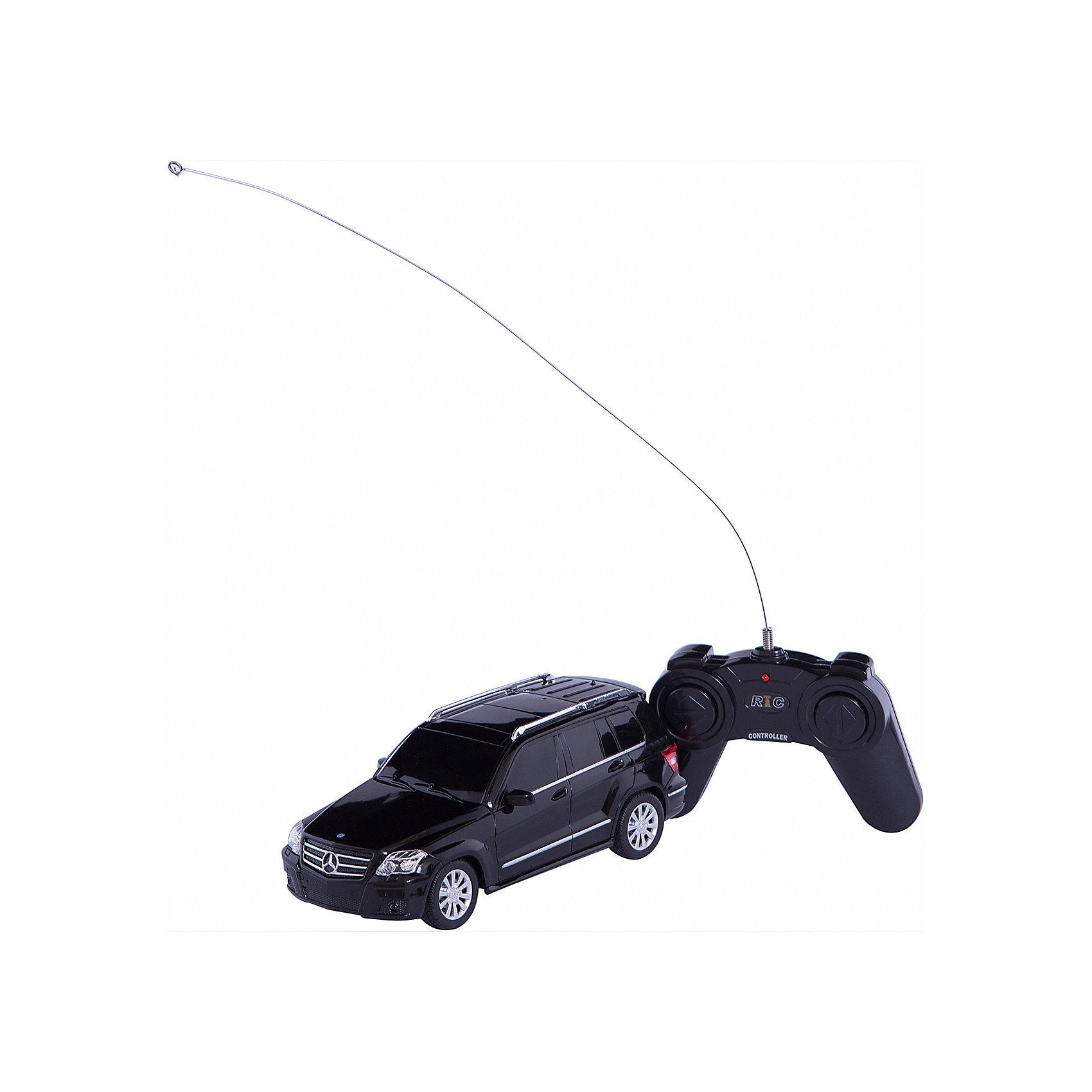 RASTAR Радиоуправляемая машина Mercedes GLK 1:24, в ассортиментеКоллекционные модели<br>RASTAR Радиоуправляемая машина Mercedes GLK 1:24, в ассортименте - игрушка, которая наверняка приведет в восторг вашего ребенка, ведь эта радиоуправляемая машина - уменьшенная копия настоящего Мерседеса! <br><br>Модель выполнена в масштабе 1: 24.<br><br>Особенности игрушки:<br><br>- Работает на частоте: 27MHz; <br>- Движение вперед, назад, вправо, влево; <br>- Контроль управления: 15 - 45 метров; <br>- Развивает скорость до: 7 км/ч; <br>- Светятся фары. <br><br><br>Дополнительная информация:<br><br><br>- Размер игрушки: 20х7,6х8,1 см.<br>- Для работы требуются батарейки: 5 Х АА (не входят в комплект).<br>- Материалы: пластик.<br>- Размер упаковки: 28,5х14х12 см.<br>- Вес: 430 г.<br>ВНИМАНИЕ! Данный товар представлен в ассортименте и отличается цветовым исполнением (варианты цветового исполнения - черный, серебристый и белый). Предварительный выбор определенного цветового исполнения артикула, к сожалению, невозможен. При заказе нескольких единиц данного товара, возможно получение одинаковых.<br><br>Ширина мм: 285<br>Глубина мм: 140<br>Высота мм: 120<br>Вес г: 430<br>Возраст от месяцев: 72<br>Возраст до месяцев: 1188<br>Пол: Мужской<br>Возраст: Детский<br>SKU: 2557178
