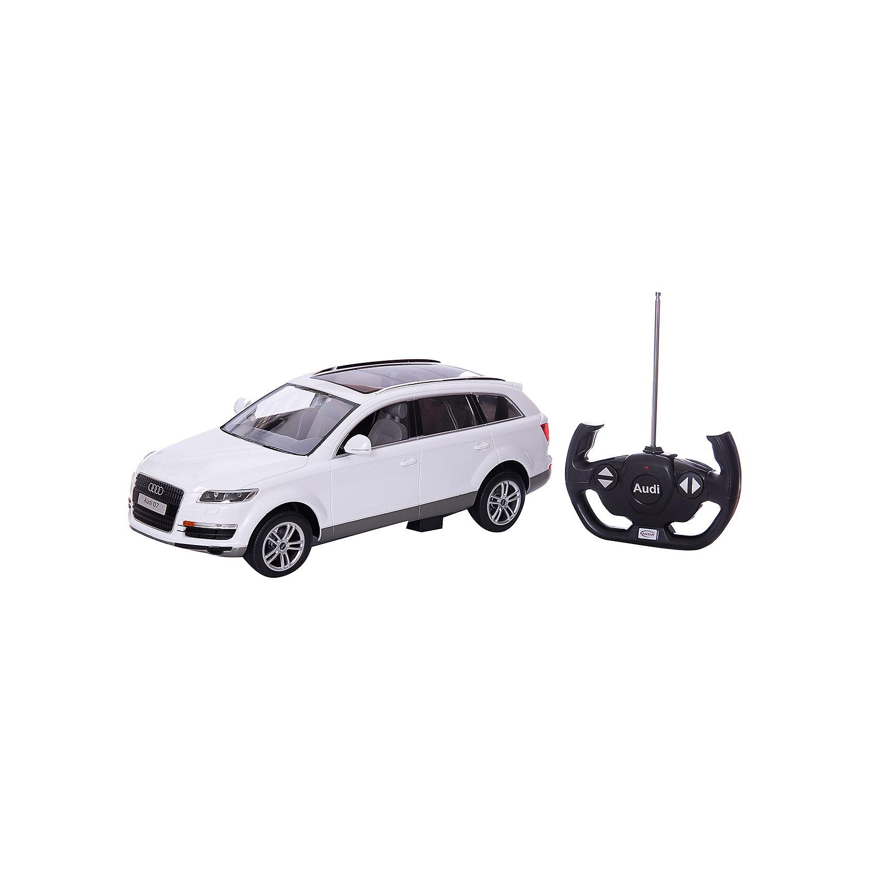 RASTAR Радиоуправляемая машина Audi Q7 1:14Коллекционные модели<br>RASTAR Радиоуправляемая машина Audi Q7 1:14, в ассортименте - игрушка, которая наверняка приведет в восторг юного любителя  взрослых автомобилей: эта радиоуправляемая машина - уменьшенная копия настоящей Ауди! <br><br>Модель выполнена в масштабе 1: 14.<br><br>Особенности игрушки:<br><br>- Работает на частоте: 27MHz; <br>- Движение вперед, назад, вправо, влево; <br>- Контроль управления: 15 - 45 метров; <br>- Развивает скорость до: 7 км/ч; <br>- Светятся фары. <br><br><br>Дополнительная информация:<br><br><br>- Для работы требуются батарейки: 5 Х АА, 6F/22<br>(не входят в комплект).<br>- Материалы: пластмасса, металл.<br>- Размер: 30,7 х 13,6 х 8,5 см.<br>- Размер упаковки: 43 х 22,5 х 17,5 см.<br>- Вес: 1,16 кг.<br>ВНИМАНИЕ! Данный товар представлен в ассортименте и отличается цветовым исполнением (варианты цветового исполнения - оранжевый, желтый и черный). Предварительный выбор определенного цветового исполнения артикула, к сожалению, невозможен. При заказе нескольких единиц данного товара, возможно получение одинаковых.<br><br>Ширина мм: 455<br>Глубина мм: 215<br>Высота мм: 195<br>Вес г: 1640<br>Возраст от месяцев: 72<br>Возраст до месяцев: 1188<br>Пол: Мужской<br>Возраст: Детский<br>SKU: 2557185