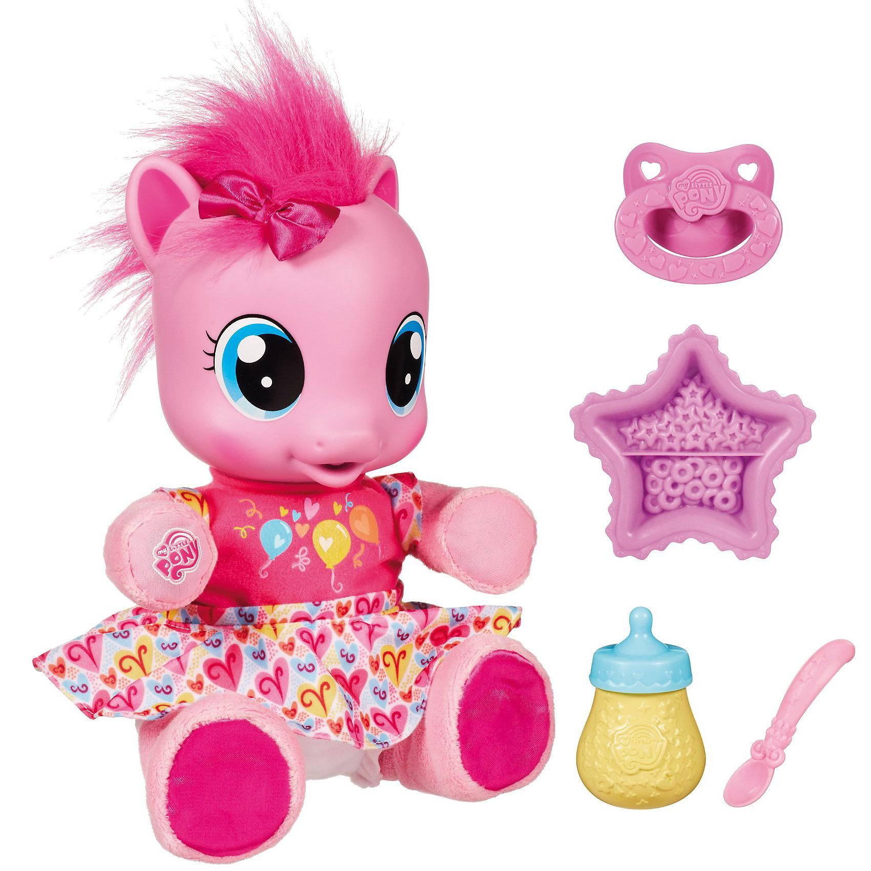 Пинки пай, My little PonyMy little Pony Пинки пай - интересный игровой набор, в который входит милая интерактивная пони Пинки пай и многочисленные аксессуары для ее кормления. <br><br>Пинки Пай -  маленькая пони, которая очень хочет научиться ходить.<br>Пони забавно двигает ножками, и стоит их лишь выпрямить и поддержать малютку за плюшевые ручки, как наша маленькая пони пойдет. А когда она окончательно научится, то радостно скажет: Смотрите! Я могу ходить!.<br><br>О малютке Пинки Пай нужно заботиться. Она скажет, что хочет есть, и тогда нужно покормить ее из ложечки или дать бутылочку. Кушать она будет с удовольствием, причмокивая. Также ей можно дать соску, чтобы успокоить.<br><br>Дополнительная информация:<br><br>- В комплект входит: интерактивная пони, соска и аксессуары для кормления.<br>- Пони умеет ходить и произносит более 20 фраз и слов.<br>- Размеры упаковки:  105х344х 305  мм.<br>- Вес: 1330 г.<br><br>My little Pony Пинки пай можно купить в нашем магазине.<br><br>Ширина мм: 154<br>Глубина мм: 344<br>Высота мм: 305<br>Вес г: 1330<br>Возраст от месяцев: 36<br>Возраст до месяцев: 132<br>Пол: Женский<br>Возраст: Детский<br>SKU: 2558557