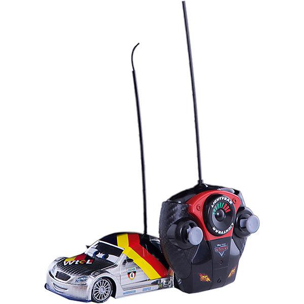 Машина на р/у Макс Шнель, серебристая, 1:24, 18см, Dickie ToysРадиоуправляемые машины<br>Характеристики:<br><br>• длина машинки: 18 см;<br>• масштаб: 1:24;<br>• особенности: радиоуправление, ускорение;<br>• комплектация: машинка, пульт управления;<br>• требуются батарейки: 3 шт. типа АА + 3 шт. типа ААА; <br>• батарейки приобретаются отдельно;<br>• материал: пластик;<br>• размер упаковки: 28х14х15 см;<br>• вес: 541 г.<br><br>Машинка Макс Шнель – персонаж из мультфильма «Тачки». С помощью пульта управления можно задавать направление движения автомобиля, регулировать его скорость, придавать ускорение на значимых участках трассы во время гонок. В процессе игры развивается внимание, сосредоточенность, координация движений. <br><br>Машину на р/у Макс Шнель, серебристая, 1:24, 18см, Dickie Toys можно купить в нашем магазине.<br><br>Ширина мм: 150<br>Глубина мм: 300<br>Высота мм: 150<br>Вес г: 538<br>Возраст от месяцев: 36<br>Возраст до месяцев: 1164<br>Пол: Мужской<br>Возраст: Детский<br>SKU: 2566993