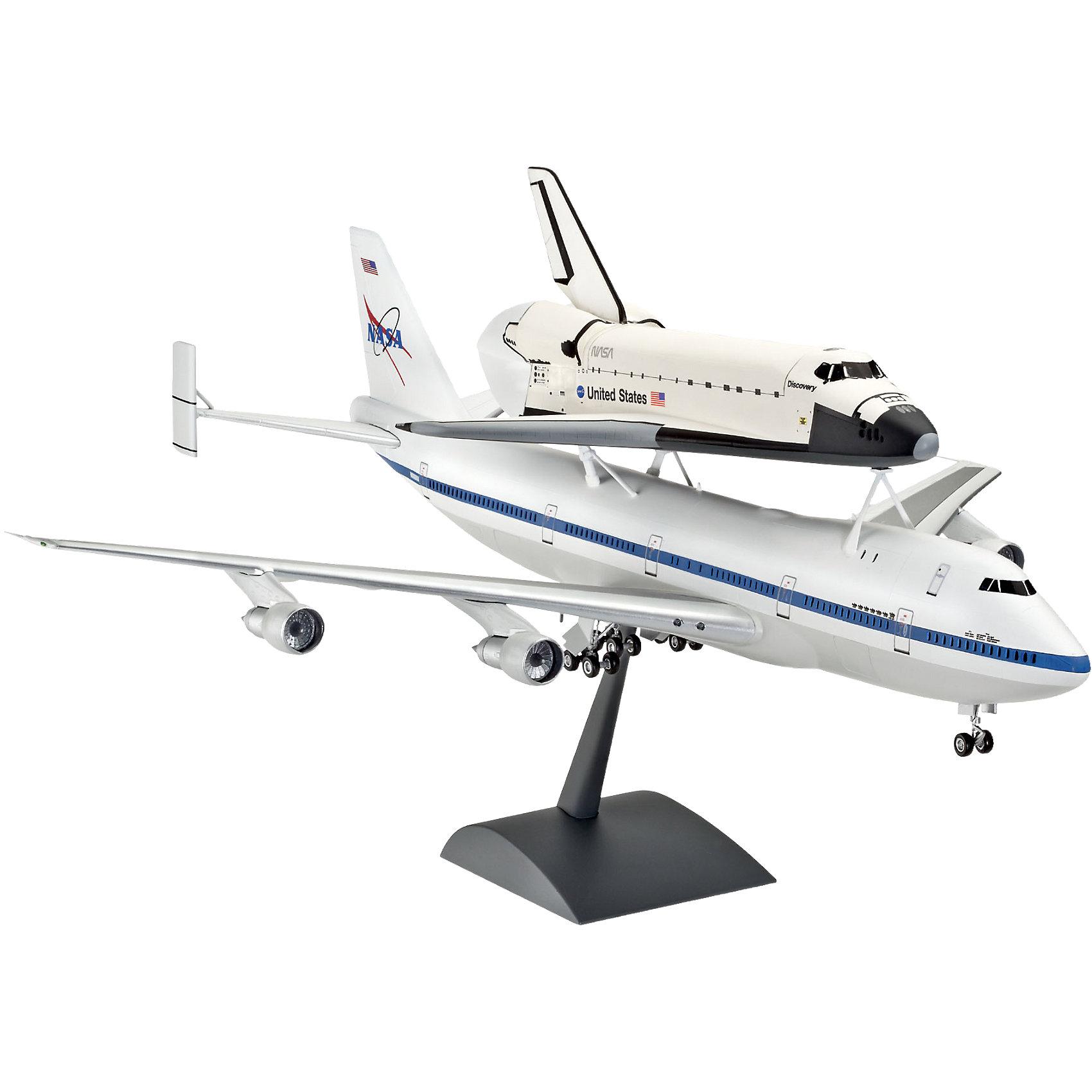 Орбитальный аппарат и Боинг 747Модели для склеивания<br>Первый полет  SCA 905 (переделанный Боинг 747-123) с шаттлом Enterprise прошел в 1977 году. В течение пяти испытательных полетов космический челнок отстыковывался от SCA 905, чтобы проверить летные и посадочных характеристик орбитального аппарата. Испытания завершились успешно. К концу программы Space Shuttle НАСА провело более 220 рабочих запусков SCA 905 с шаттлами. 17 марта 2012 SCA 905 с шаттлом Discovery  приземлился в последний раз в международном аэропорту Далласа и занял место в постоянной экспозиции в Национальном музее авиации и космонавтики в Вашингтоне. <br>Масштаб: 1:144 <br>Количество деталей: 119 <br>Длина: 489 мм <br>Размах крыльев: 422 мм <br>Клей и краски в комплект не входят.<br><br>Ширина мм: 596<br>Глубина мм: 368<br>Высота мм: 76<br>Вес г: 932<br>Возраст от месяцев: 144<br>Возраст до месяцев: 192<br>Пол: Мужской<br>Возраст: Детский<br>SKU: 2594006
