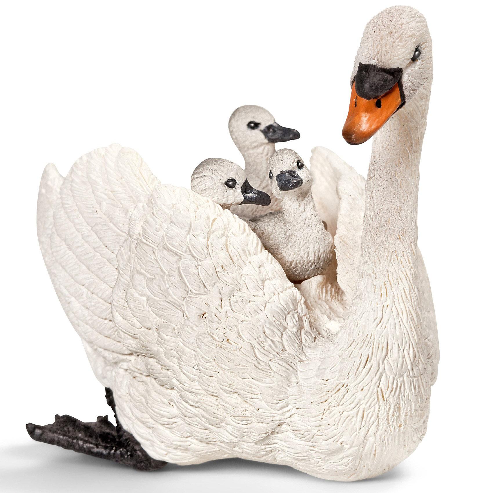 Schleich Белый лебедь с птенцами. Серия Домашние животныеSchleich (Шляйх) Белый лебедь с птенцами. Серия Домашние животные. Белый лебедь – одна из самых крупных птиц, умеющих летать. Если птенцам лебедя угрожает опасность, он сажает своих детенышей себе на спину. Белого лебедя называют лебедь-шипун, т.к. эти птицы не обладают такими «вокальными данными» как остальные особи семейства лебедей. <br><br>Дополнительная информация:<br><br>-Фигурка  белого лебедя с птенцами выполнена из каучукового пластика, каждая фигурка раскрашена вручную.<br>-размеры (ДхШхВ): 4,5х6х7 см<br><br>Этот подарок понравится маленьким орнитологам и всем любознательным детям!<br><br>Игрушку белый лебедь с птенцами из серии Домашние животные от Schleich (Шляйх) можно купить в нашем магазине.<br><br>Ширина мм: 93<br>Глубина мм: 48<br>Высота мм: 32<br>Вес г: 53<br>Возраст от месяцев: 36<br>Возраст до месяцев: 96<br>Пол: Унисекс<br>Возраст: Детский<br>SKU: 2609271