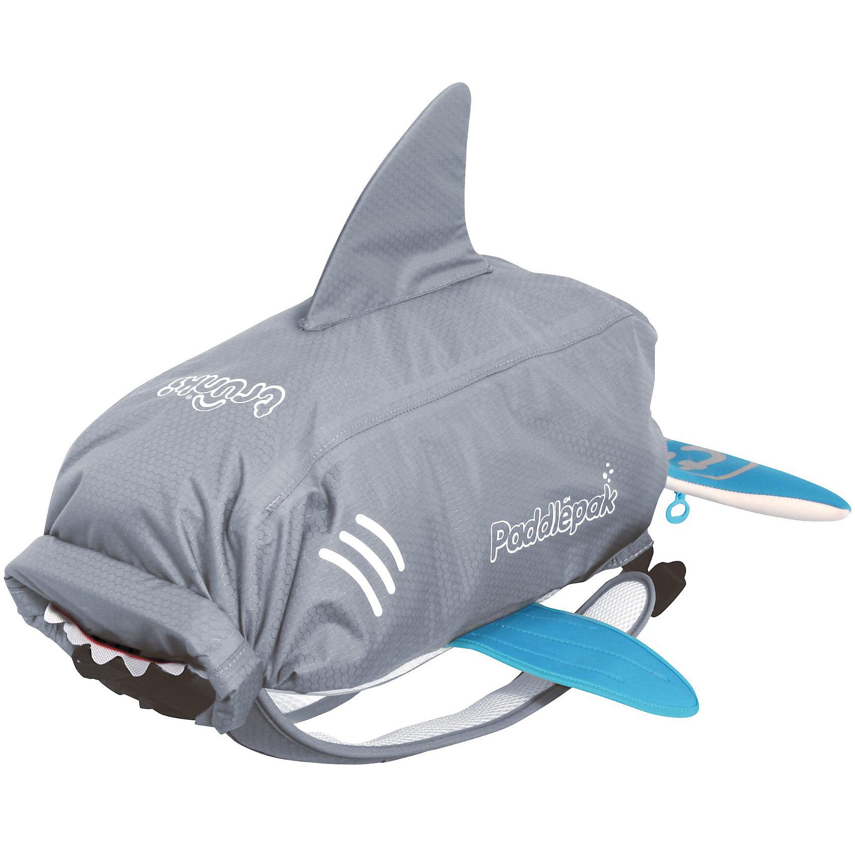 Рюкзак универсальный АКУЛАКупальники и плавки<br>Универсальный рюкзак Акула - стильный нарядный рюкзачок, который замечательно подойдет для занятий спортом, поездок и путешествий. Необычный рюкзак выполнен из прочного водоотталкивающего материала в виде акулы серого цвета с голубыми плавниками. Рюкзак закрывается с помощью оригинальной крышки-скрутки, а уникальная застежка top-roll сохранит содержимое и защитит от проникновения воды. Внутри одно большое отделение с вместительным карманом глубиной 40 см. На внешней стороне рюкзака имеется специальное крепление, куда можно подвесить детские солнцезащитные очки, а также сетчатый карман и карман в виде хвоста акулы для различных мелочей. Рюкзак оснащен широкими эргономичными лямками, которые регулируются до нужного размера. Светоотражающие элементы обеспечивают безопасность на дороге и в темное время суток. Яркий стильный аксессуар непременно понравится Вашему ребенку и превратит любую поездку в веселое приключение.<br><br>Дополнительная информация:<br><br>- Материал: текстиль. <br>- Объем: 10 л. <br>- Размер рюкзака: 54 х 32 х 12 см.<br>- Размер упаковки: 54 х 32 х 5 см.<br>- Вес: 0,3 кг.<br><br>Рюкзак универсальный Акула, Trunki, можно купить в нашем интернет-магазине.<br><br>Ширина мм: 518<br>Глубина мм: 347<br>Высота мм: 51<br>Вес г: 266<br>Возраст от месяцев: 36<br>Возраст до месяцев: 60<br>Пол: Унисекс<br>Возраст: Детский<br>SKU: 2808083