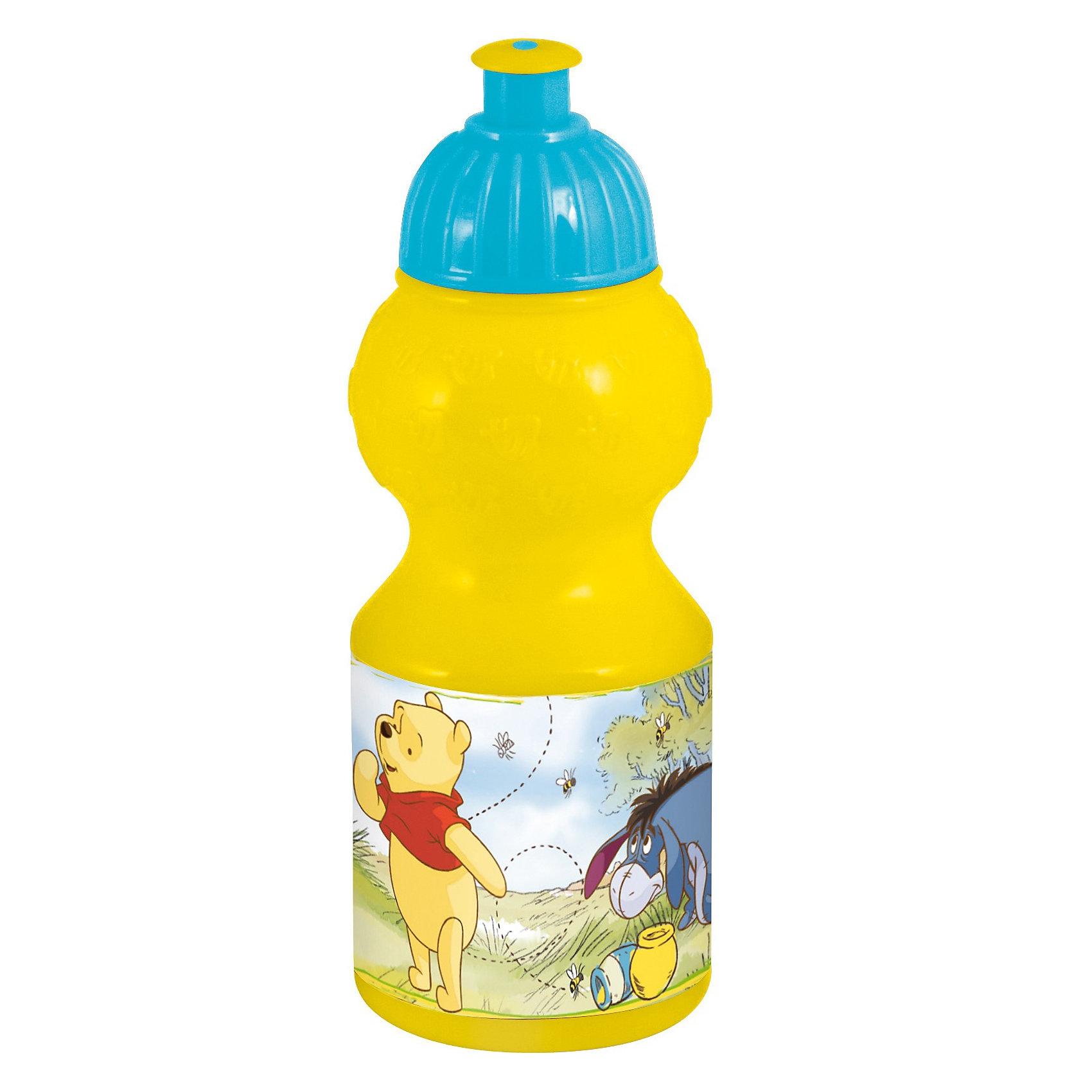 Винни-пух Бутылка спортивная малая (350 мл).Бутылки для воды и бутербродницы<br>Бутылка спортивная «Винни Пух» незаменима вне дома! Конструкция ее крышки надежно закрывает бутылку и не позволит пролиться жидкости. Ребристое основание крышки удобно для детских ручек и облегчает открытие бутылки. <br><br>Бутылка изготовлена из прочной и нетоксичной пластмассы с использованием безопасных красок. <br>Внимание! Бутылка не предназначена для СВЧ и посудомоечной машины. Избегайте наливания очень горячих напитков в бутылку.<br><br>Объем: 350 мл.<br>Размер: 70 х 70 х 195 мм.<br><br>Ширина мм: 70<br>Глубина мм: 70<br>Высота мм: 180<br>Вес г: 52<br>Возраст от месяцев: 3<br>Возраст до месяцев: 96<br>Пол: Унисекс<br>Возраст: Детский<br>SKU: 2977695