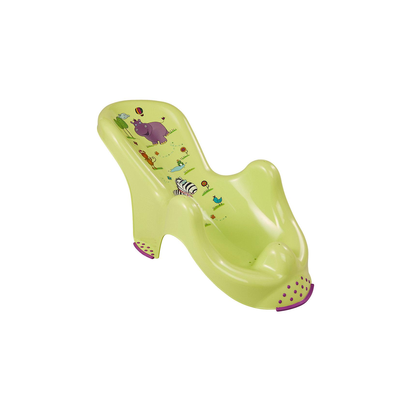Горка д/ванны Бегемотик, ОКТ, зеленыйГорка для ванны Бегемотик, Okt поможет сделать купание Вашего малыша комфортным и безопасным. Конструкция прочно фиксируется в ванной с помощью присосок и страхует малыша во время купания: его голова находится над водой, а для ручек и ножек предусмотрены специальные выемки, которые не дают ребенку соскальзывать в воду. Ножки горки оснащены резиновыми нескользящими накладками, для детей постарше она может использоваться как сиденье для ванной. Горка удобной анатомической формы имеет привлекательный дизайн и украшена изображениями забавных африканских зверюшек. Конструкция легко моется и абсолютно безопасна для малыша.<br><br>Дополнительная информация:<br><br>- Цвет: зеленый.<br>- Возраст: 0-8 месяцев.<br>- Материал: пластик.<br>- Размер: 58 x 25 x 22 см. <br>- Вес: 0,45 кг. <br><br>Горку для ванны Бегемотик, Okt, можно купить в нашем интернет-магазине.<br><br>Ширина мм: 532<br>Глубина мм: 258<br>Высота мм: 208<br>Вес г: 340<br>Цвет: зеленый<br>Возраст от месяцев: 0<br>Возраст до месяцев: 8<br>Пол: Унисекс<br>Возраст: Детский<br>SKU: 3101422
