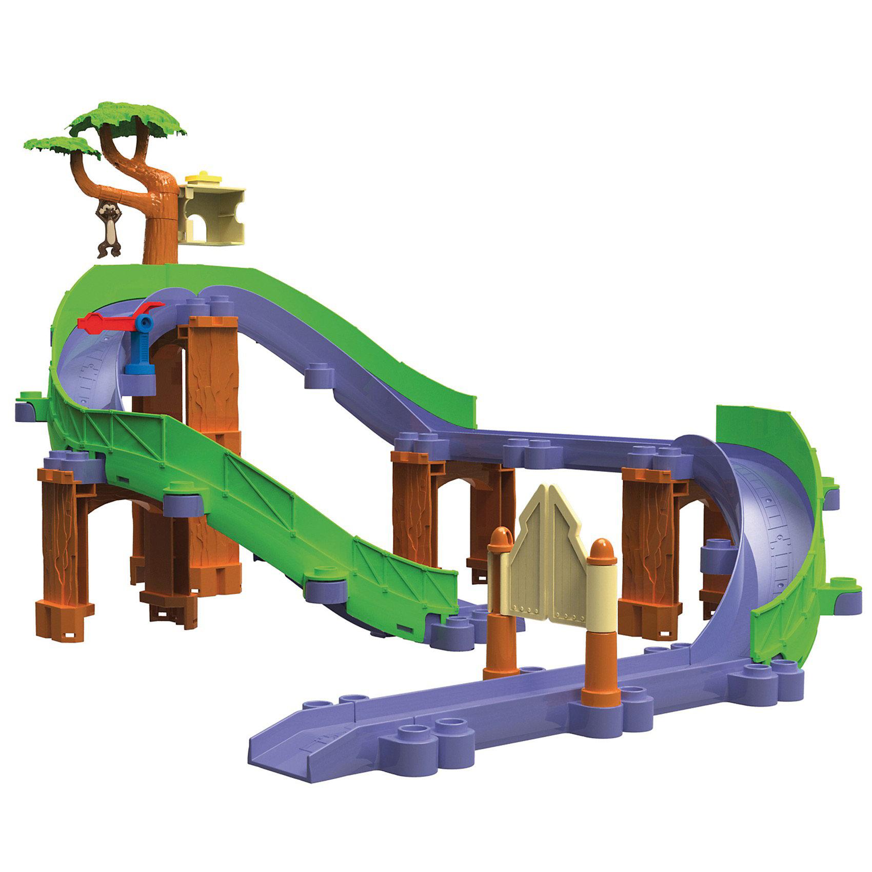 Сафари-приключения с Коко, ЧаггингтонИгровой набор Сафари-приключения с Коко, Чаггингтон посвящён приключениям весёлого паровозика Коко. <br><br>Набор может трансформироваться как в замкнутый круг, так и в трассу для скоростного спуска (3 варианта сборки). На дороге паровозикам встретятся ворота, шлагбаум и зеленое дерево, на котором живет обезьянка. На дереве закреплена корзина для груза, куда его доставит Коко. Ветка, на которой висит обезьянка, подвижная, нужно повернуть её по часовой стрелке до щелчка, затем поставить груз в корзину и ветка с раскачивающейся обезьянкой вернется на место. Обезьянка при этом весело на ней раскачивается, словно настоящая! Детали трека легко соединяются между собой и могут служить дополнением к любым наборам паровозиков Чаггингтон из серии Die Cast (Дай Каст).<br><br>Комплектация:<br>-детали для сборки трека<br>-паровозик Коко<br>-грузовой вагончик и груз<br>-дерево с обезьянкой<br>-корзина для груза<br>-ворота<br>-шлагбаум<br>-инструкция по сборке<br><br>Дополнительная информация:<br><br>- Размеры упаковки: 40,5х25,5х11,5 см<br>- Вес: 1,4 кг<br>- Размер паровозика: 8х3х4 см<br>- Материал: пластик и металл<br><br>Веселая, увлекательная игра поможет в развитии воображения и фантазии и даст возможность окунуться в атмосферу любимого мультфильма.<br><br>Игровой набор Сафари-приключения с Коко, Чаггингтон (Chuggington) можно купить в нашем магазине.<br><br>Ширина мм: 409<br>Глубина мм: 258<br>Высота мм: 121<br>Вес г: 1270<br>Возраст от месяцев: 36<br>Возраст до месяцев: 60<br>Пол: Унисекс<br>Возраст: Детский<br>SKU: 3102134