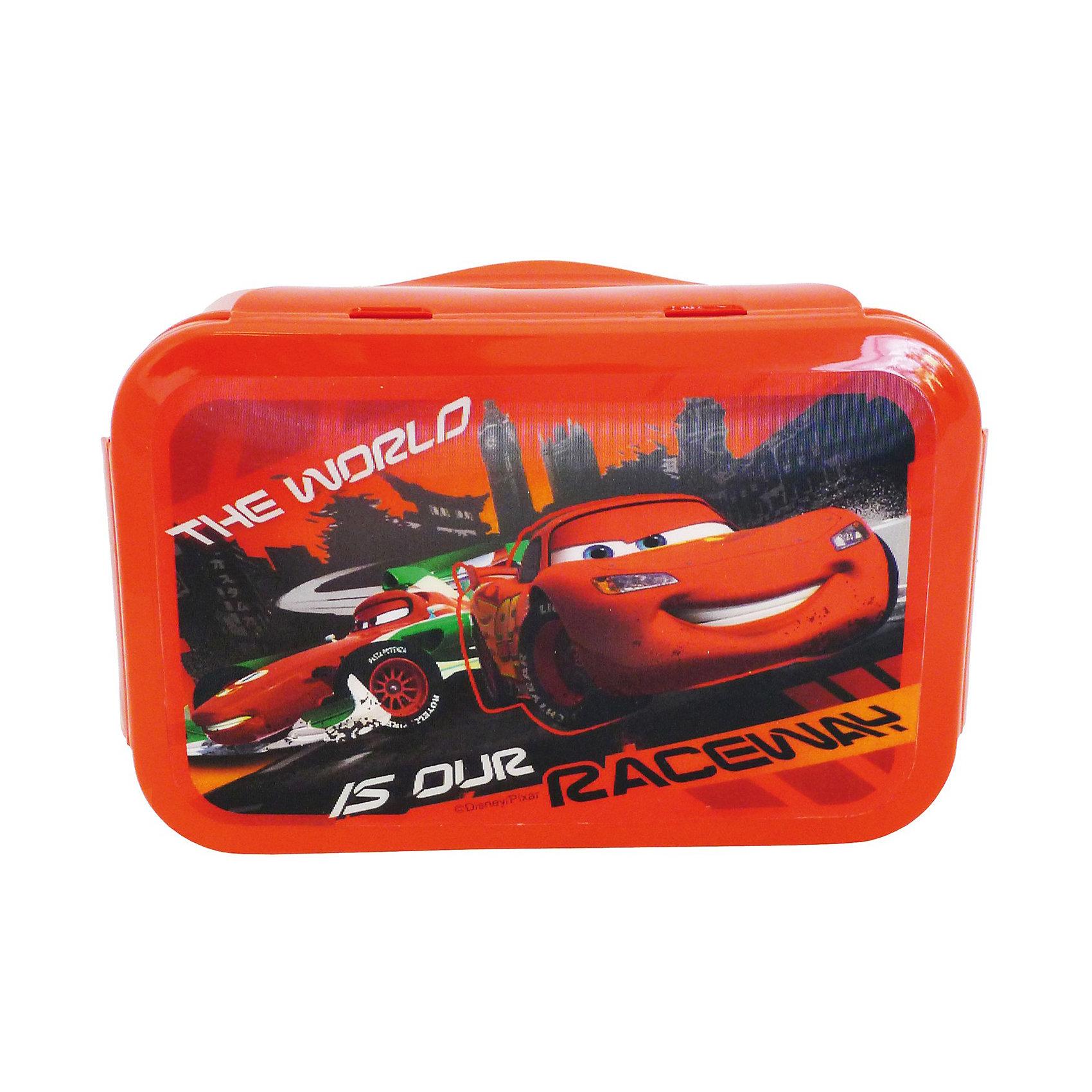 Бутербродница с 3D изображением, ТачкиПроизведено по лицензии Walt Disney. Пластиковая бутербродница со стерео изображением ТАЧКИ (15х10х6 см), изготовлена из пищевого пластика. Компактная, герметичная емкость, надежная крышка с 4-мя зажимами. Можно использовать как коробку для хранения мелких предметов. Бутербродница позволит перекусить любимым домашним бутербродом где угодно: в школе, в походе, поездке, на пикнике. Компактная, легко помещается в любую сумку. Нельзя использовать в СВЧ и мыть в посудомоечной машине. <br><br>Дополнительная информация: <br><br>- размер: 15*10*6 см.<br>- материал: пластик<br><br>Бутербродницу с 3D изображением, Тачки можно купить в нашем интернет-магазине.<br><br>Ширина мм: 150<br>Глубина мм: 100<br>Высота мм: 60<br>Вес г: 115<br>Возраст от месяцев: 72<br>Возраст до месяцев: 192<br>Пол: Мужской<br>Возраст: Детский<br>SKU: 3104733