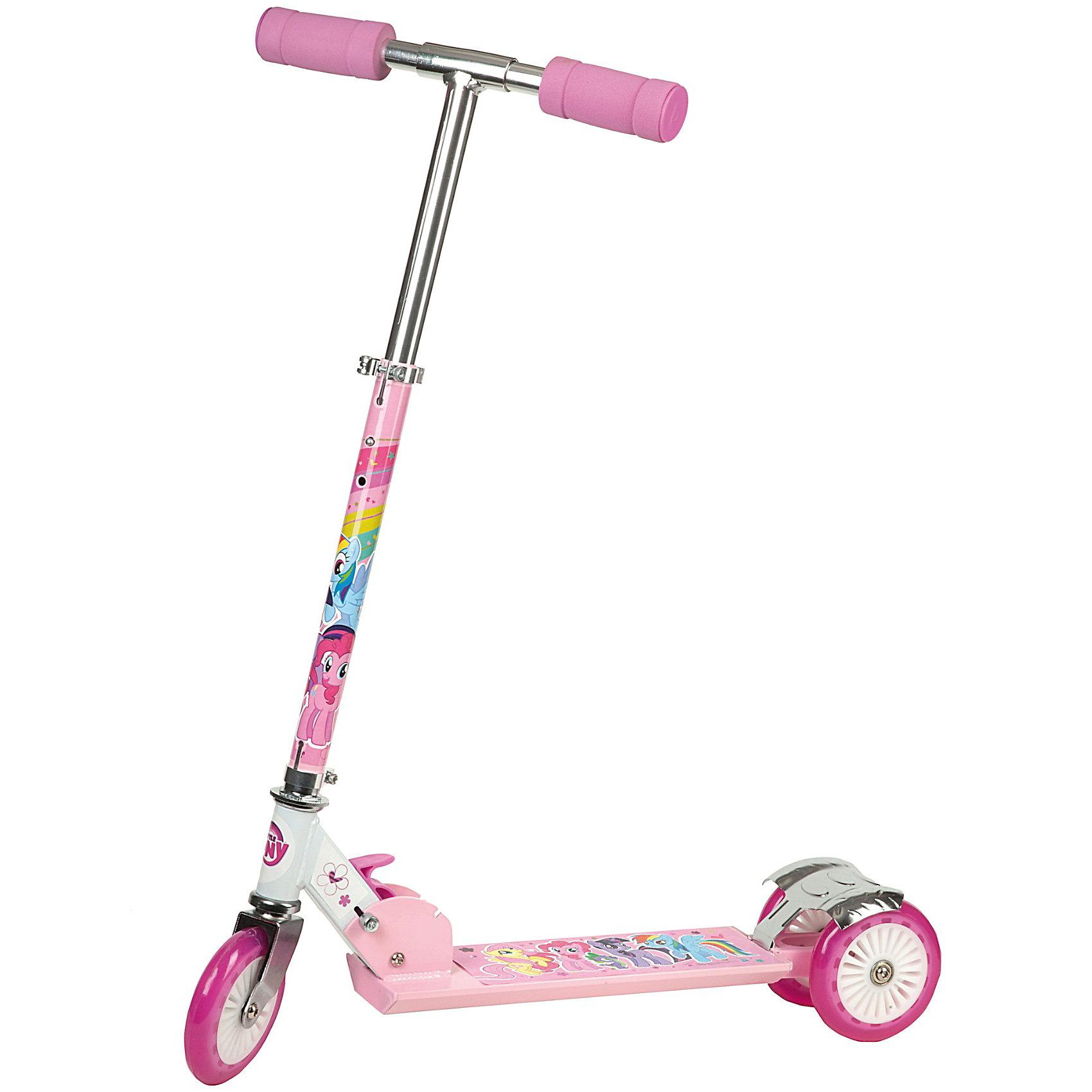 Самокат 3-х колесный My Little Pony, 50 % алюминийСамокаты<br>Яркий и красивый трехколесный самокат для девочек, с изображением героев популярного детского мультфильма My Little Pony .<br>Этот самокат подходит даже самым юным, начинающим спортсменам, поскольку снабжен тремя колесами, а следовательно - более устойчивый. Он непременно порадует вашего ребенка как привлекательным дизайном, так и своими спортивными возможностями.<br><br>Катание на самокате - не только веселое, но и полезное занятие, поскольку способуствует улучшению координации движений и общей физической подготовки вашего ребенка!<br><br>Дополнительная информация:<br><br>- Материал рамы: на 50% состоит из алюминия<br>- Колеса: с полиуретановым покрытием диаметром 120 мм<br>- Подшипники в колесах типа ABEC-5<br>- Размер платформы: 34 х 9,4см<br>- Самокат снабжен ножным тормозом над задним колесом.<br><br>Самокат 3-х колесный My Little Pony, 50 % алюминий можно купить в нашем магазине.<br><br>Ширина мм: 580<br>Глубина мм: 94<br>Высота мм: 340<br>Вес г: 5667<br>Возраст от месяцев: 60<br>Возраст до месяцев: 120<br>Пол: Женский<br>Возраст: Детский<br>SKU: 3140947