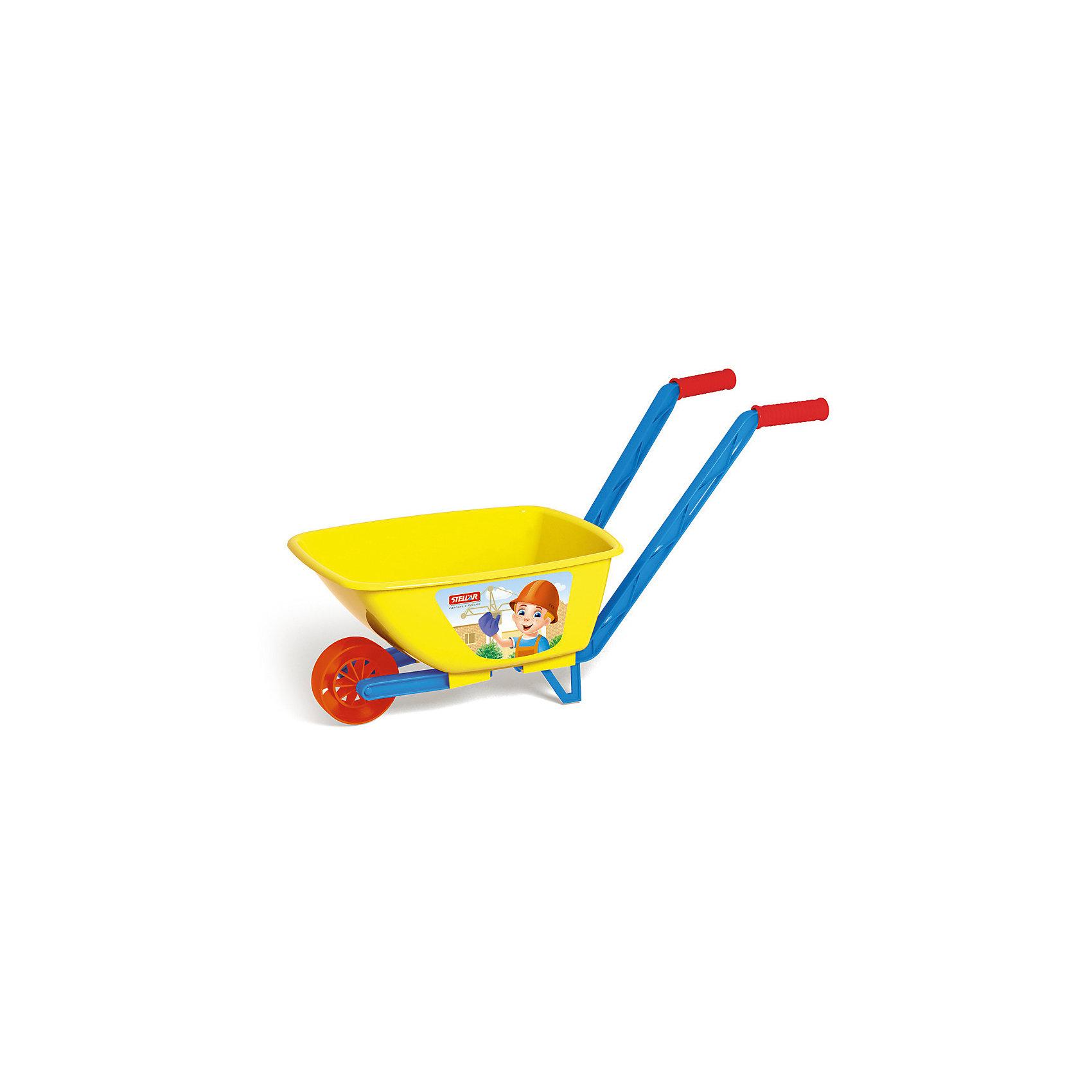 Тачка детская, СтелларС детской одноколесной тачкой «Stellar» Ваш ребенок будет с удовольствием Вам помогать на даче.<br><br>Яркая тачка сделает уборку листьев в саду или во дворе интересной и полезной игрой для малышей. Тачка оснащена двумя удобными ручками.<br><br>Дополнительная информация:<br><br>- Материал: полипропилен.<br>- Вид упаковки: сетка.<br>- Цвета: красный, желтый.<br>- Размер упаковки: 60х27х34 см<br>- Размер тачки: 34 см х 21 см х 24 см.<br>- Длина ручки: 46 см<br><br>ВНИМАНИЕ! Данный артикул имеется в наличии в разных цветовых исполнениях. К сожалению, заранее выбрать определенный цвет невозможно. При заказе нескольких позиций возможно получение одинаковых.<br><br>Тачку детскую, Стеллар можно купить в нашем магазине.<br><br>Ширина мм: 600<br>Глубина мм: 270<br>Высота мм: 340<br>Вес г: 620<br>Возраст от месяцев: 36<br>Возраст до месяцев: 72<br>Пол: Унисекс<br>Возраст: Детский<br>SKU: 3167088