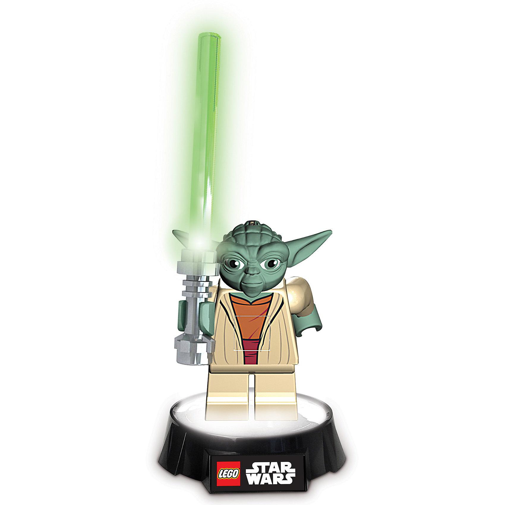 Фонарик-ночник, LEGO Star Wars, YodaФонарик-ночник, LEGO Star Wars Yoda (Лего Звездные войны Йода) - это новинка 2013 года в серии Лего Звездные войны.<br><br>Оригинального дизайна фонарик можно поставить куда угодно и использовать его как осветительное устройство. Не нужно забывать, что это еще и великолепная игрушка с вращающимися ножками и светящимся мечом, которая позволит разыграть интересные сценки из фильма Звездные войны.<br><br>Дополнительная информация:<br><br>-Высота  18,5 см<br>-Батарейки в комплекте (3 х АА, 1хААА)<br>-Материал: пластик<br>-Функция автоматического отключения после 30 мин<br>-Светящиеся вращающиеся ножки, съемный светящийся меч<br>-Снимается со светящейся базы, можно использовать как фонарик<br>-Включается нажатием пластины на груди фигуры<br><br>Такая игрушка особенно пригодится родителям, чьи детки не могут заснуть в темноте. <br><br>Фонарик-ночник, LEGO Star Wars Yoda (Лего Звездные войны Йода) можно купить в нашем магазине.<br><br>Ширина мм: 282<br>Глубина мм: 286<br>Высота мм: 83<br>Вес г: 701<br>Возраст от месяцев: 96<br>Возраст до месяцев: 1164<br>Пол: Мужской<br>Возраст: Детский<br>SKU: 3168507