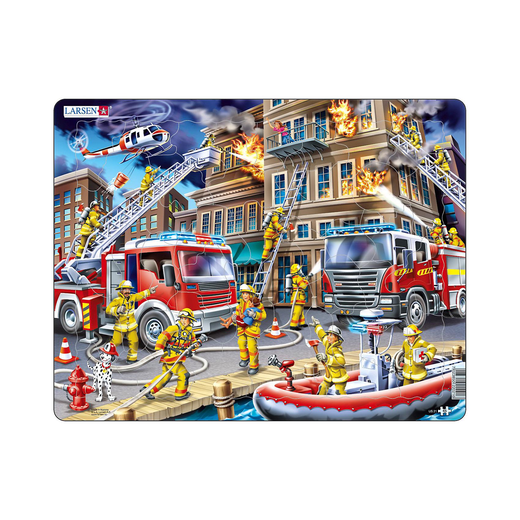Пазл Пожарники, 45 деталей, LarsenПазлы для малышей<br>Пазл Пожарники, 45 деталей, Larsen (Ларсен) изображает сцену тушения пожара. Отважные пожарники раскручивают пожарный шланг, поднимаются на выдвижной лестнице, на верхний этаж, чтобы спасти человека, бегут на помощь пострадавшим с аптечкой, пожарный вертолет также участвует в этом опасном и героическом деле. Изготовлен пазл из плотного трехслойного картона, имеет специальную подложку и рамку, которые облегчают процесс сборки. Принцип сборки пазла заключается в использовании принципа совместимости изображений и контуров пазла. Если малыш не сможет совместить детали пазла по рисунку, он сделает это по контуру пазла, вставив его в подложку как вкладыш. Высокое качество материала и печати не допускают износа, расслаивания, деформации деталей и стирания рисунка. Многообразие форм и разные размеры деталей пазла развивают мелкую моторику пальцев. Занятия по сборке пазла развивают образное и логическое мышление, пространственное воображение, память, внимание, усидчивость, координацию движений.<br><br>Дополнительная информация:<br><br>- Количество элементов: 45 деталей<br>- Материал: плотный трехслойный картон<br>- Размер пазла: 36,5 x 28,5 см.<br><br>Пазл Пожарники, 45 деталей, Larsen (Ларсен) можно купить в нашем интернет-магазине.<br><br>Ширина мм: 367<br>Глубина мм: 283<br>Высота мм: 7<br>Вес г: 320<br>Возраст от месяцев: 60<br>Возраст до месяцев: 84<br>Пол: Мужской<br>Возраст: Детский<br>Количество деталей: 45<br>SKU: 3206517