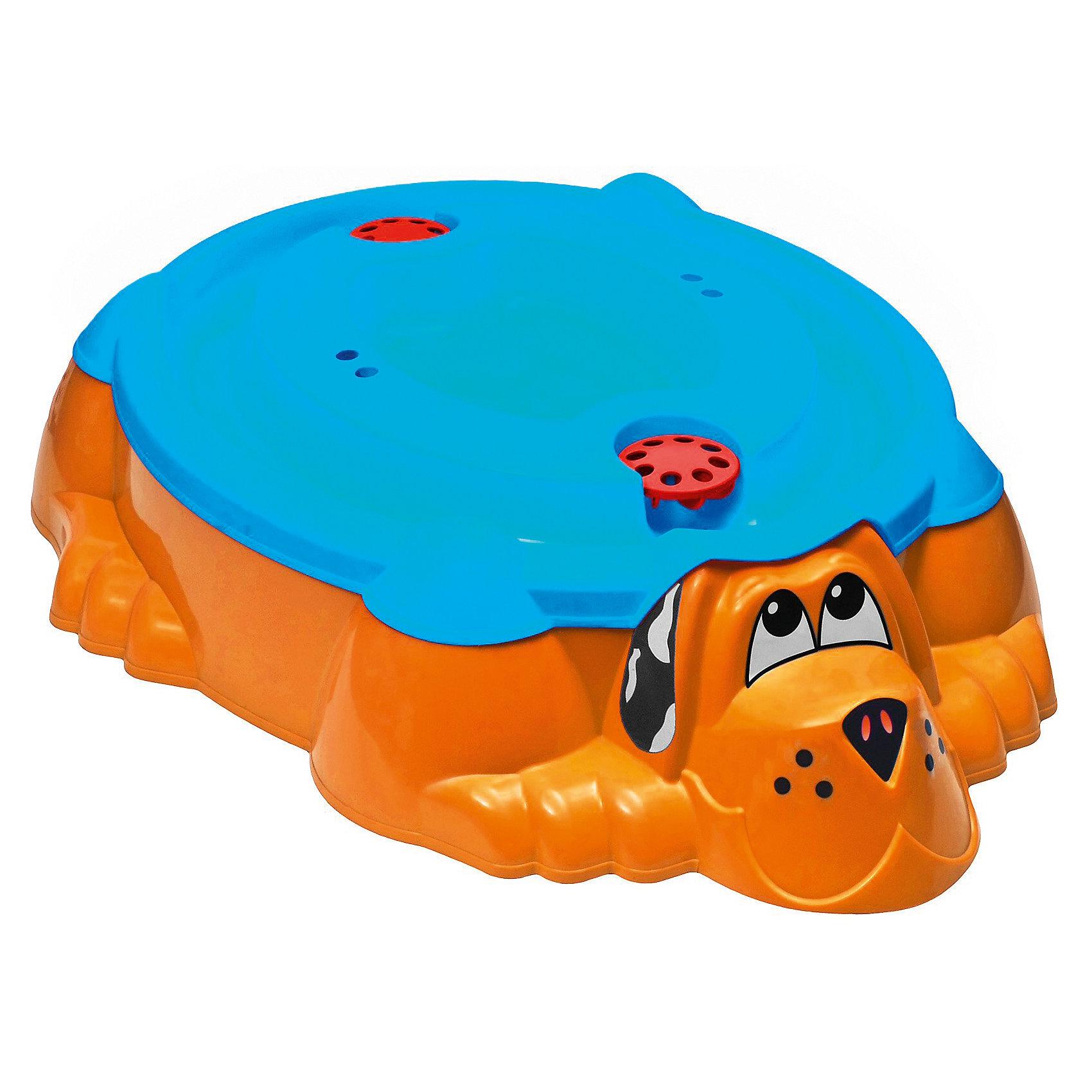 Песочница-бассейн Собачка с крышкой, желтый, MarianplastЗабавный пес дает возможность выбора, кем ему быть: песочницей или бассейном для Вашего ребенка.<br><br>Благодаря крышке, пес или песок в песочнице всегда останутся сухими, даже после дождя.<br>Песочница достаточно вместительная, подойдет для нескольких ребятишек. Внутри есть выступы, на которых малыши смогут посидеть и передохнуть, если вдруг устанут. <br>Песочница имеет удобную функциональную крышку. Если вдруг пошел дождик, то песочницу можно накрыть. Крышку можно использовать также  как мини - бассейн. Крышка имеет специальные углубления - воронки, если в них налить водичку и запустить кораблик, то корабль будет лавировать по лабиринтам - гаваням.<br><br>Дополнительная информация:<br><br>- Материал: яркий высокопрочный пластик.<br>- Размер песочницы: 110х95 см, глубина - 25 см.<br>- Крышка у песочницы синего цвета.<br><br>ВНИМАНИЕ: данный артикул имеется в наличии в разных цветовых вариантах. Заранее выбрать определенный цвет нельзя.<br><br>Для веселой и беззаботной игры в песок. Идеально подойдет для летнего отдыха на даче.<br><br>Ширина мм: 1150<br>Глубина мм: 920<br>Высота мм: 250<br>Вес г: 5890<br>Возраст от месяцев: 12<br>Возраст до месяцев: 96<br>Пол: Унисекс<br>Возраст: Детский<br>SKU: 3210077