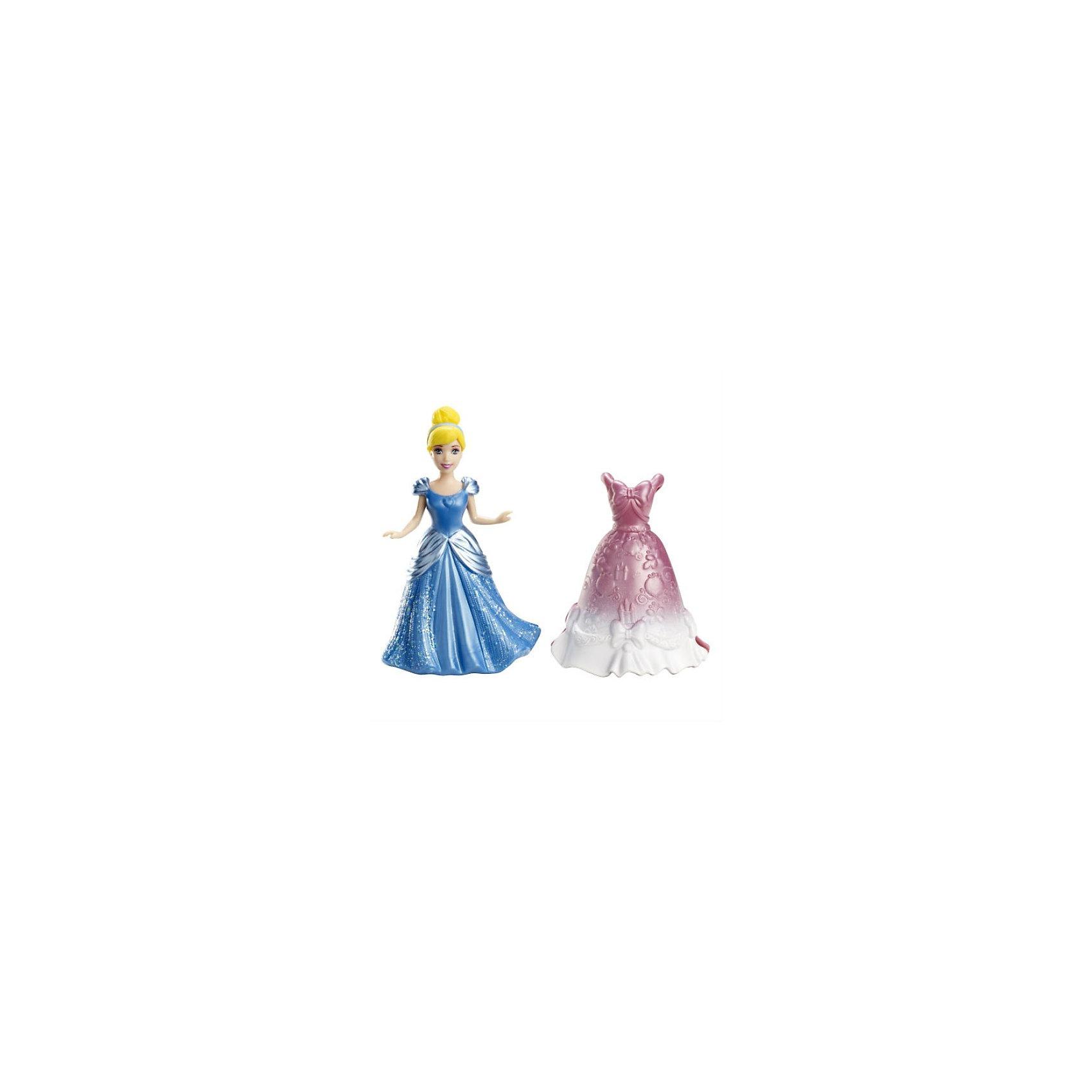 Набор с мини-куклой Disney Принцесса с платьем ЗолушкаЛюбимые героини- принцессы мультиков студии Disney теперь – в удобных нарядах! <br>У Золушки два красивых платья, которые очень легко снимать и одевать: голубое и мерцающее розовое. В таких нарядах Золушка, без сомнения, очарует всех гостей бала и покорит сердце прекрасного принца!<br><br>Костюмы принцессы выполнены по технологии MagiClip (мягкий пластик), которая не имеет аналогов в мире. Сменить наряд легко и просто. Достаточно всего лишь раздвинуть края платья, надеть его на куклу и защелкнуть одним движением.<br>Собирайте всех принцесс вместе и устраивайте балл!<br><br><br>Дополнительная информация:<br><br>Размер упаковки: 11,5 x 5 x 14,5 см<br><br>Ширина мм: 145<br>Глубина мм: 113<br>Высота мм: 51<br>Вес г: 48<br>Возраст от месяцев: 36<br>Возраст до месяцев: 72<br>Пол: Женский<br>Возраст: Детский<br>SKU: 3219478