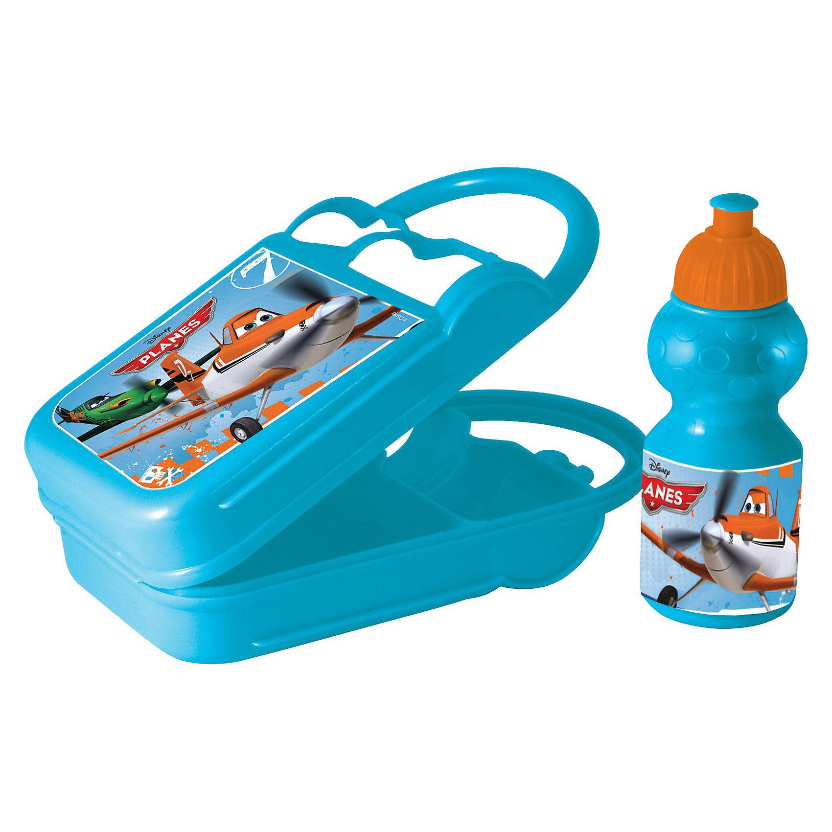 Контейнер для бутербродов с бутылкой, СамолетыОригинальный яркий детский контейнер для бутербродов с бутылкой (400 мл) Самолеты с  изображением любимых героев непременно  порадует Вашего малыша и Вам не придется уговаривать его взять еду с собой: теперь это его любимое занятие!<br><br>Дополнительная информация:<br>- Объем: 400 мл<br>- Материал: пищевой пластик<br>- Размеры: 27 х 7,5 х 18 см<br>- Не предназначен для использования в микроволновой печи<br><br>Контейнер для бутербродов с бутылкой Самолеты можно купить в нашем магазине.<br><br>Ширина мм: 270<br>Глубина мм: 75<br>Высота мм: 187<br>Вес г: 208<br>Возраст от месяцев: 36<br>Возраст до месяцев: 156<br>Пол: Мужской<br>Возраст: Детский<br>SKU: 3248346